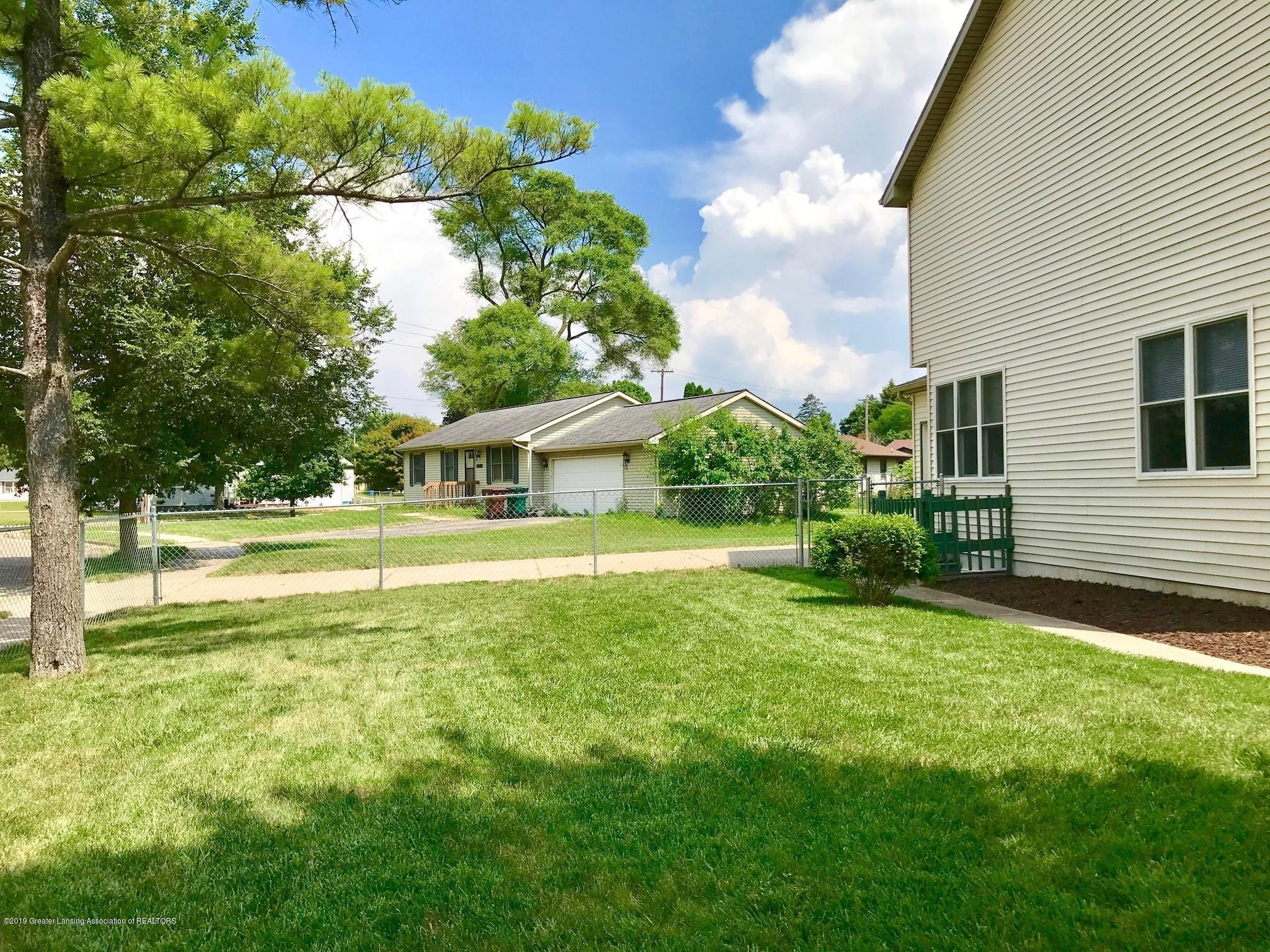 5703 Piper Ave - Yard - 26