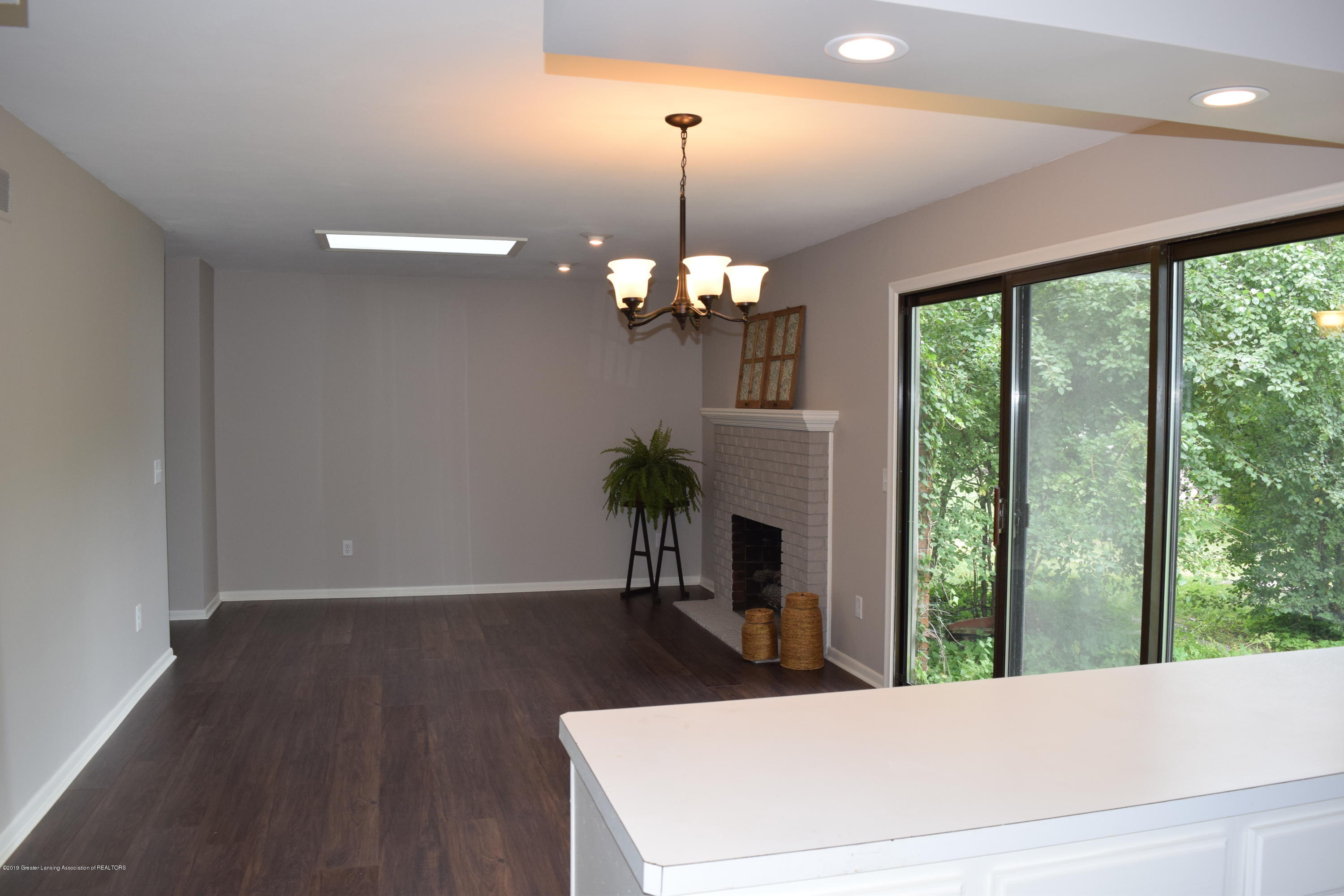 610 Bainbridge Dr - open plan - 13