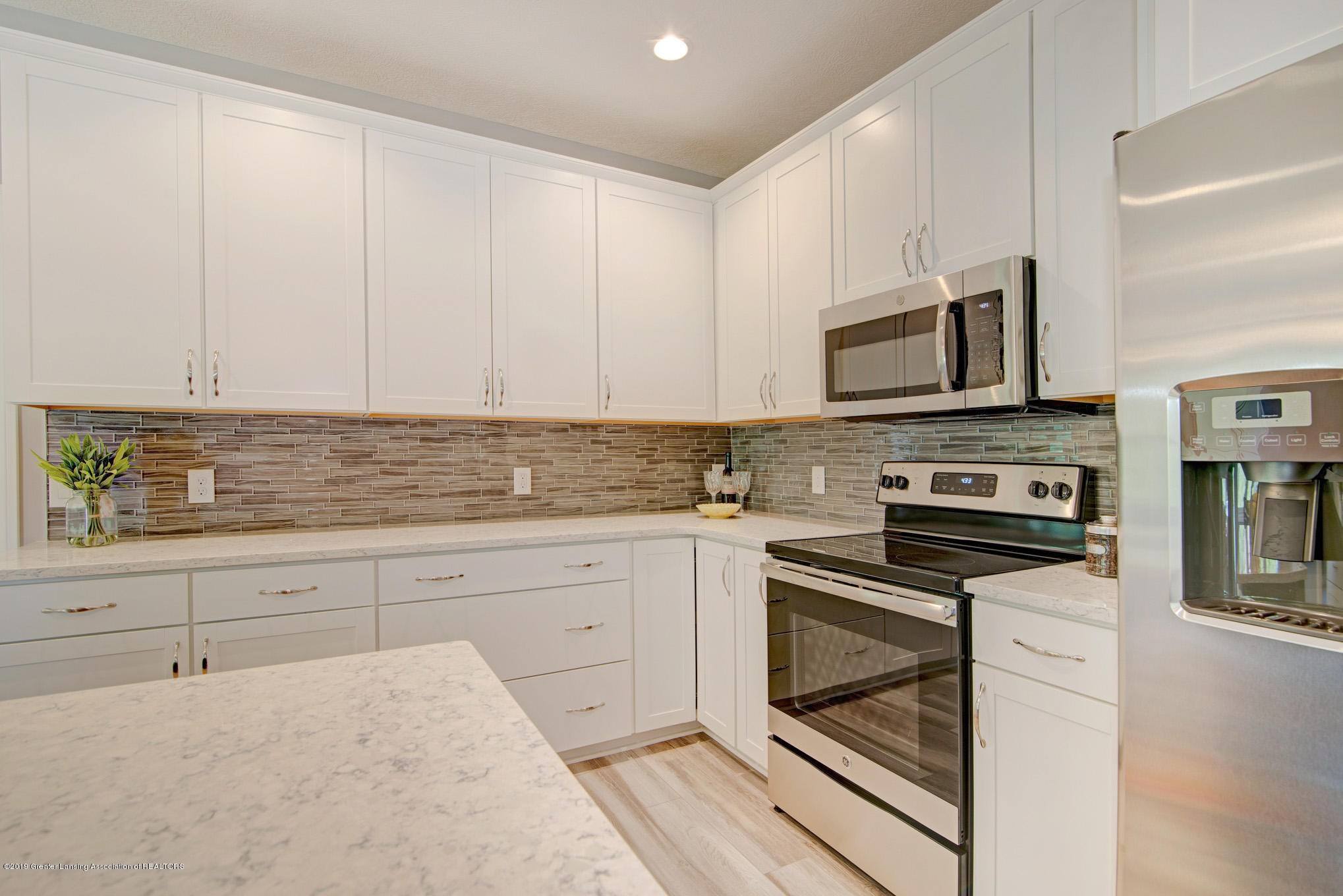 805 Greenwich Dr - kitchen - 7