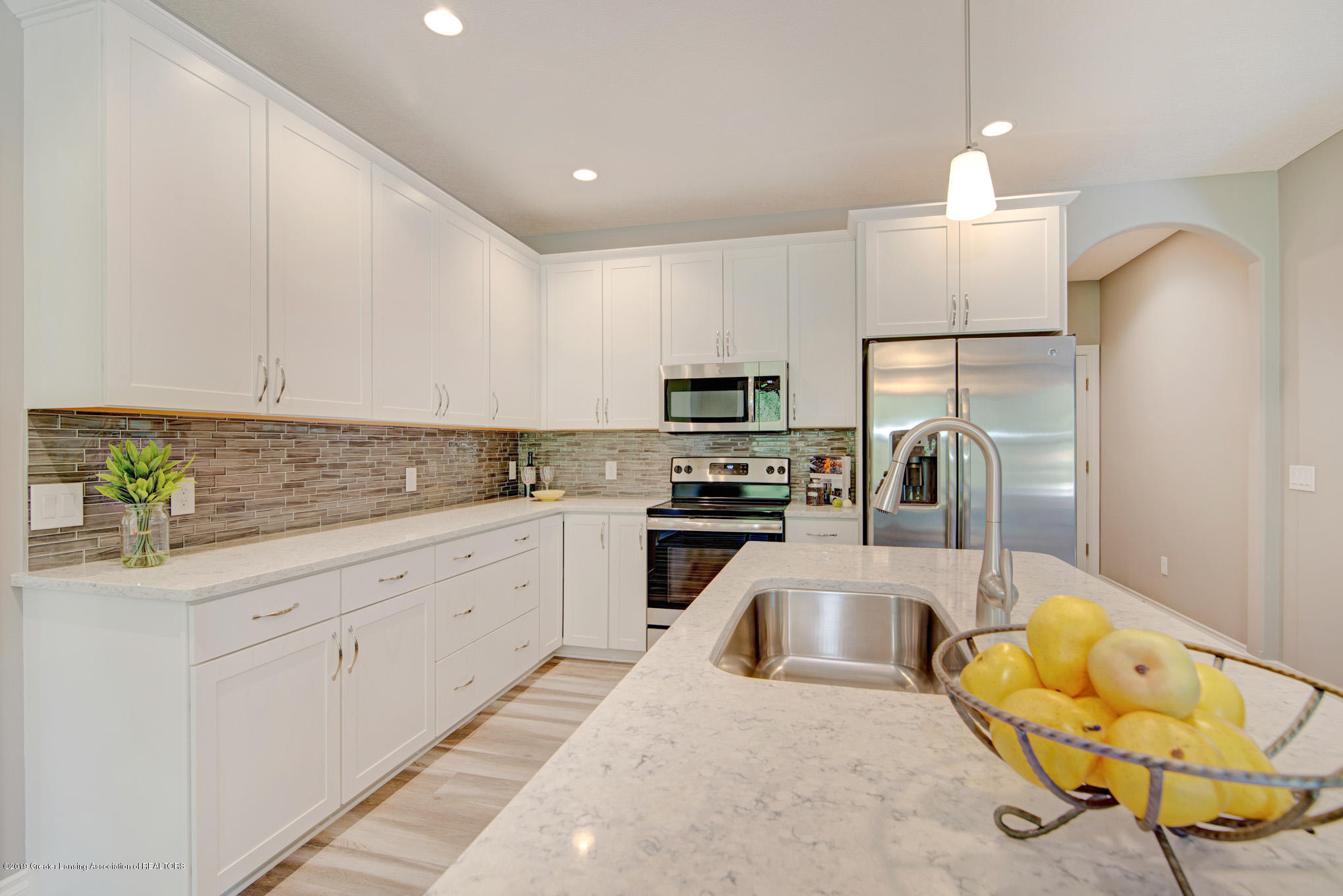805 Greenwich Dr - kitchen - 8