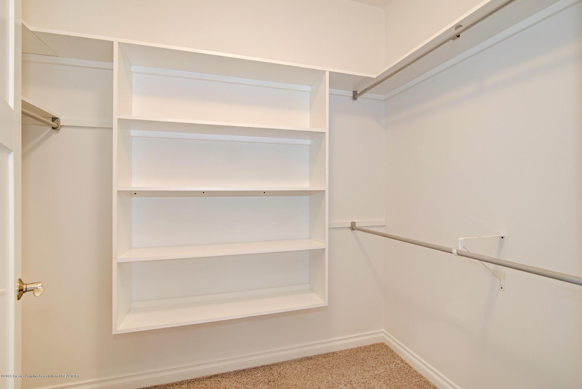 805 Greenwich Dr - master closet - 14