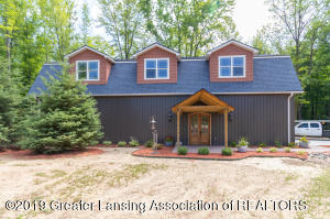 10390 Apple Blossom Lane, Grand Ledge, MI 48837