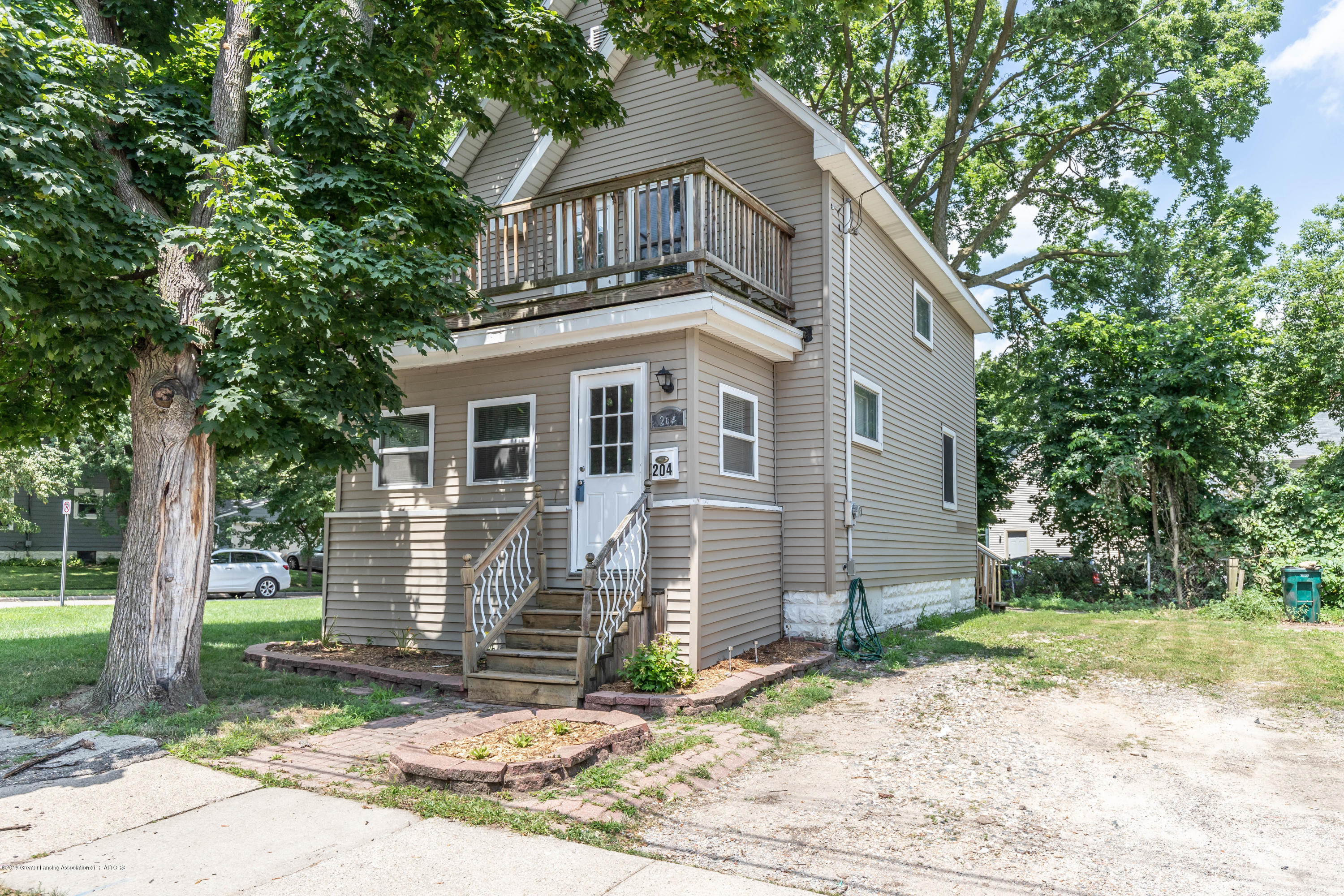 204 Woodlawn Ave - Front - 1