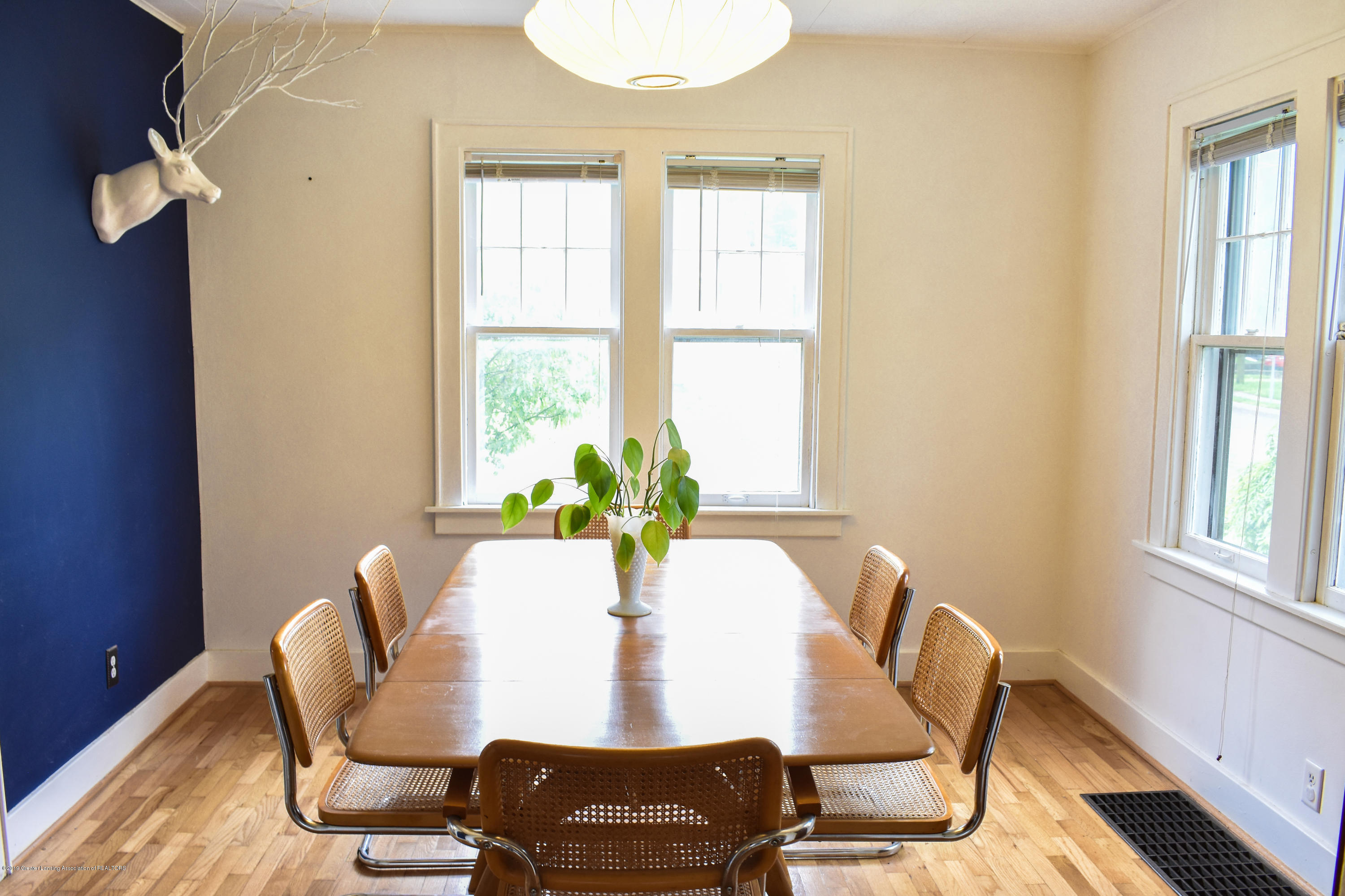 2123 Lyons Ave - Dining room - 4