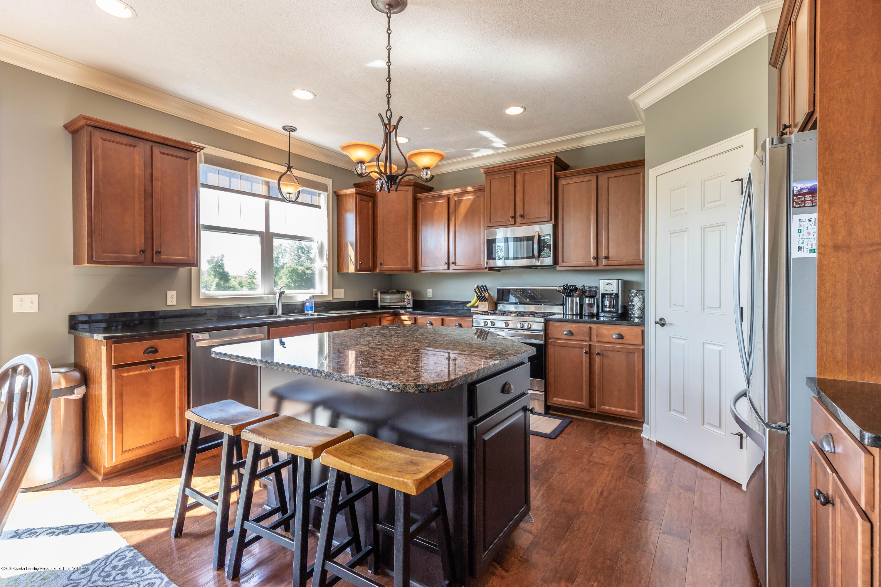 11840 Murano Dr - Kitchen - 8