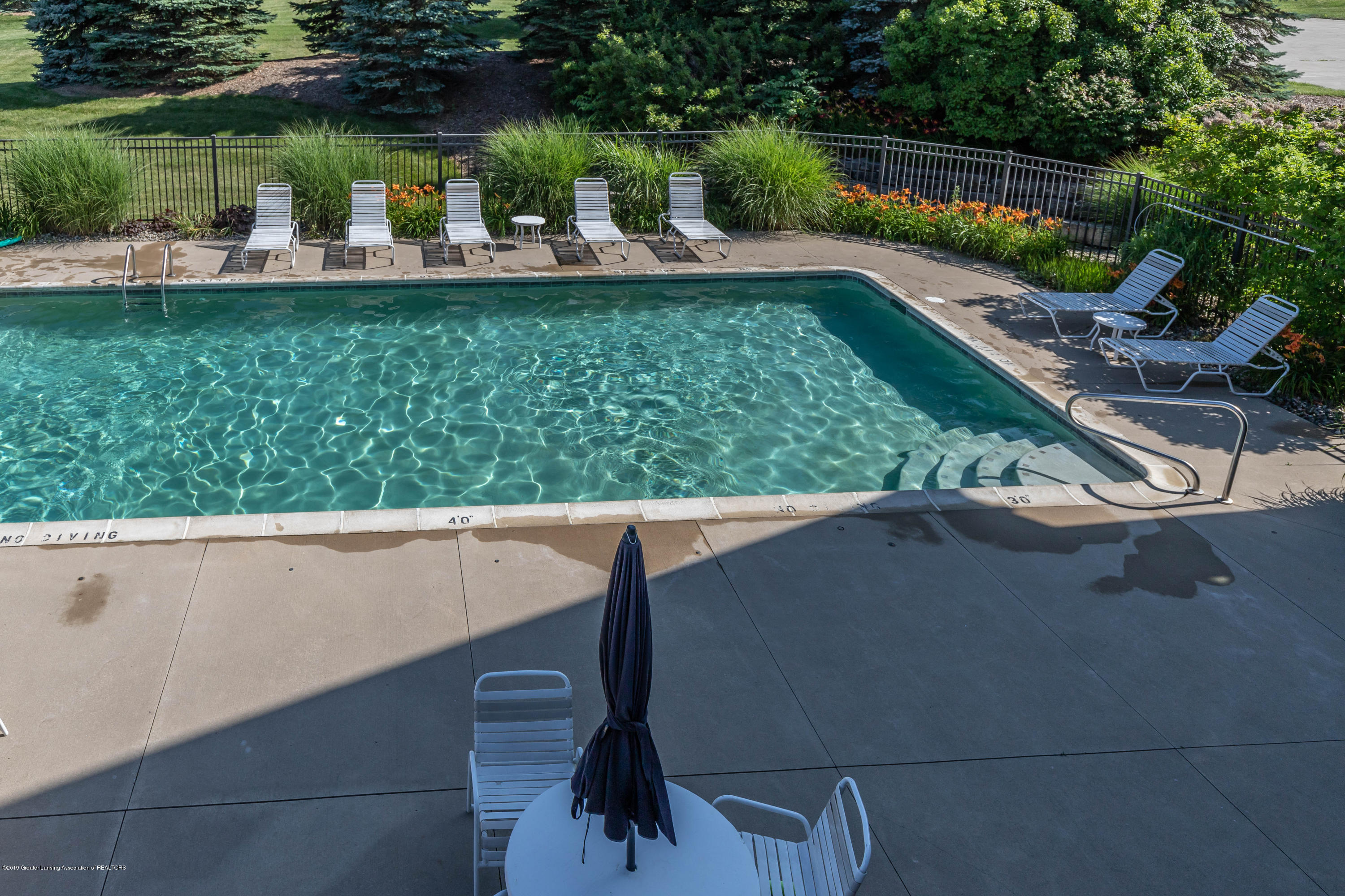 11840 Murano Dr - Clubhouse Pool - 32