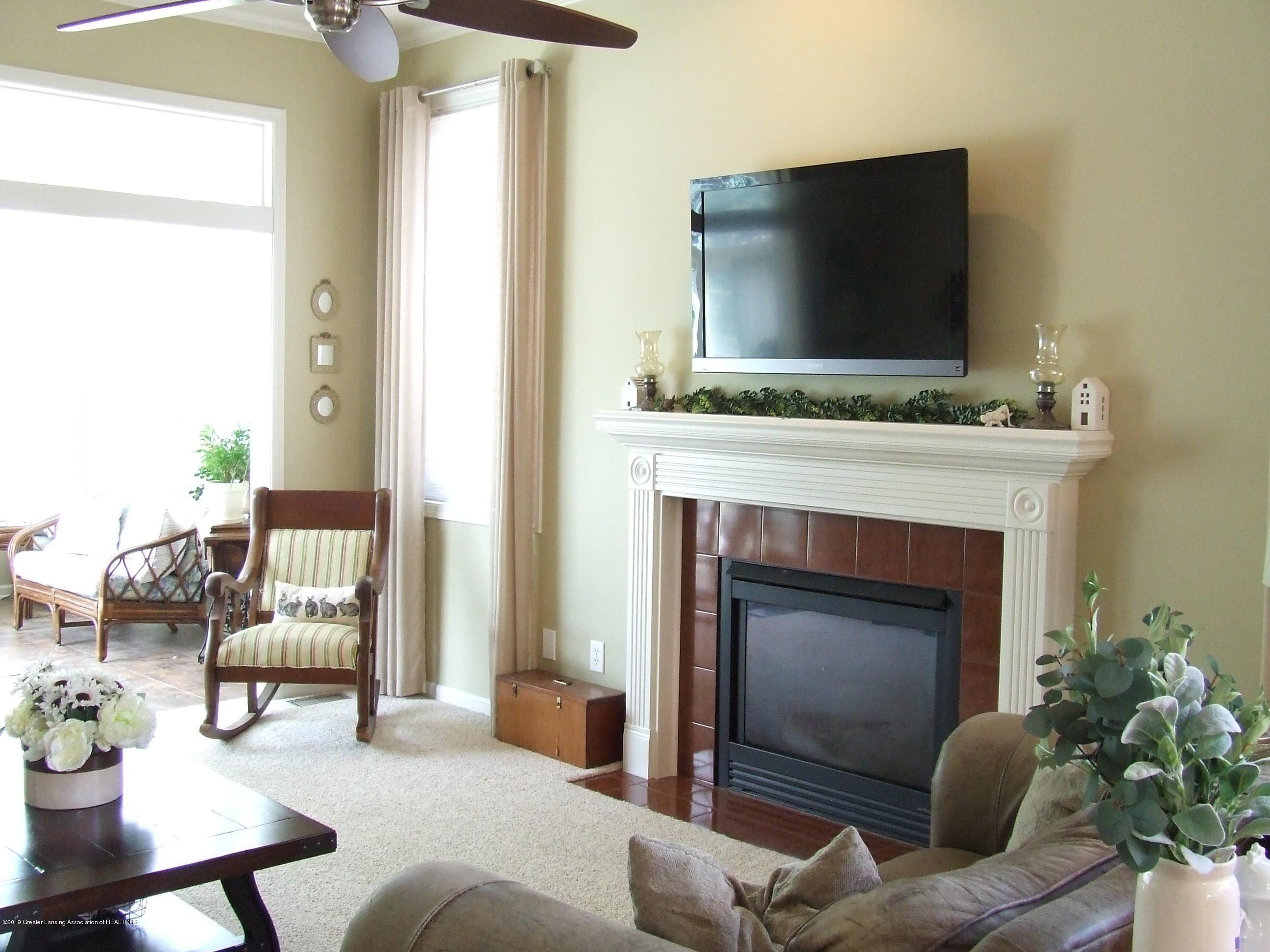 10812 Canterbury Ln - Living room - 9