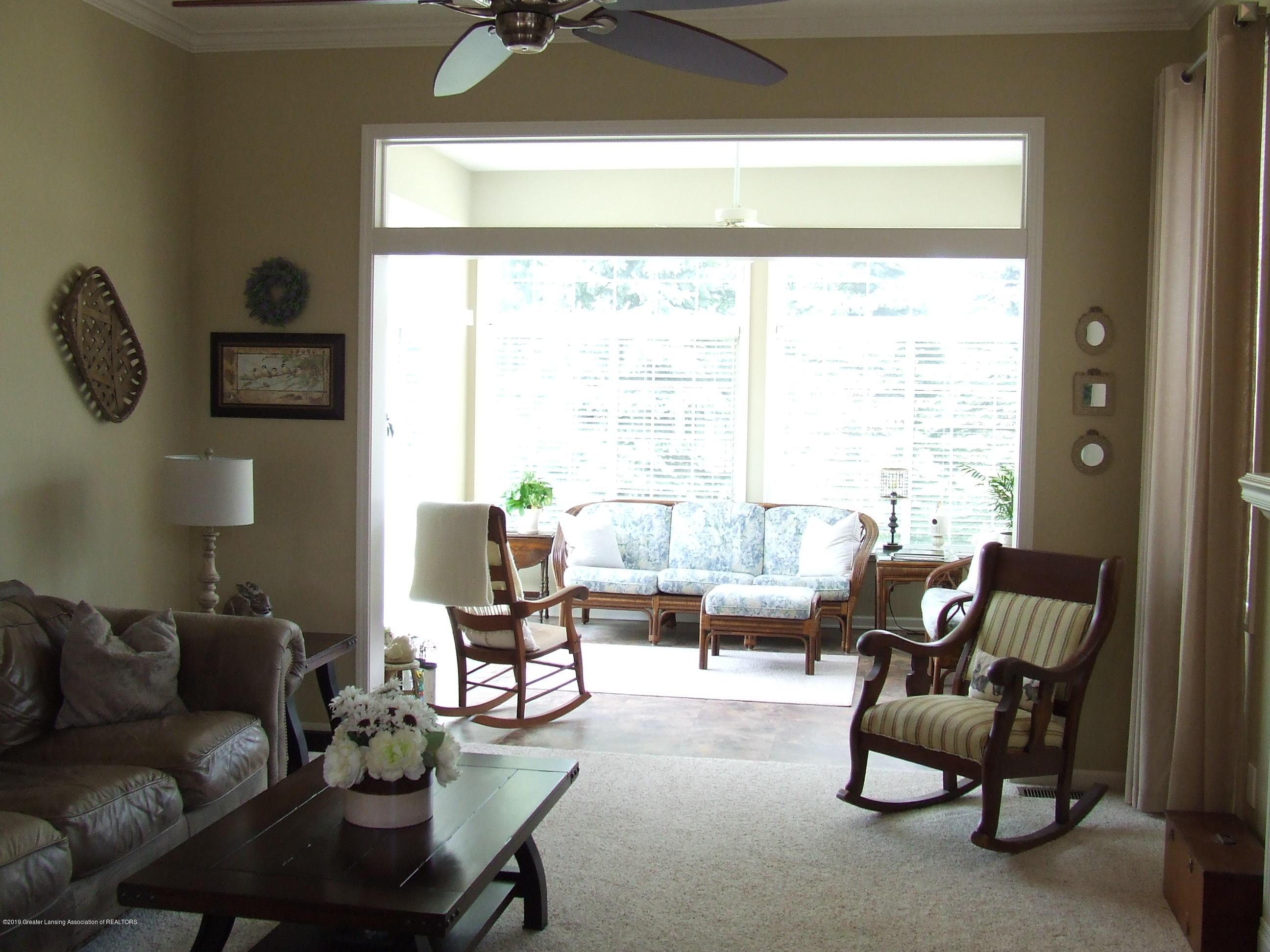 10812 Canterbury Ln - Living room - 10