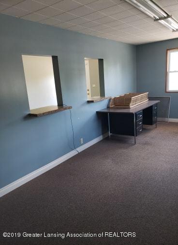 106 E Knight St - Office - 13