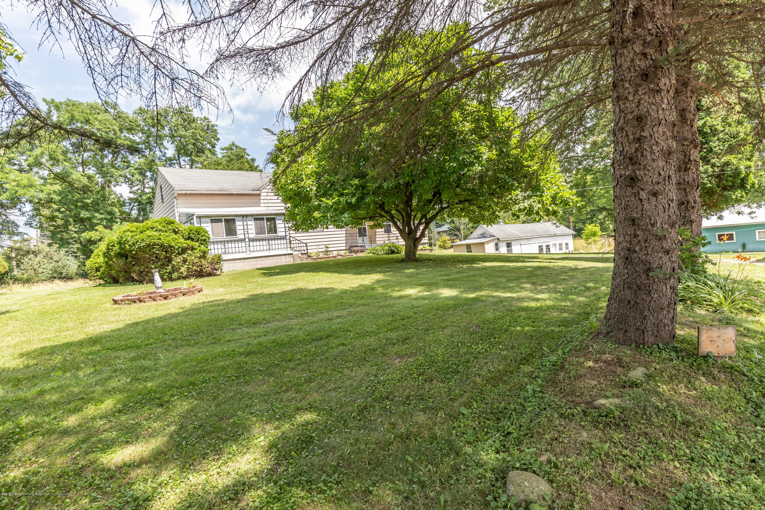 15549 Airport Rd - Front - 3