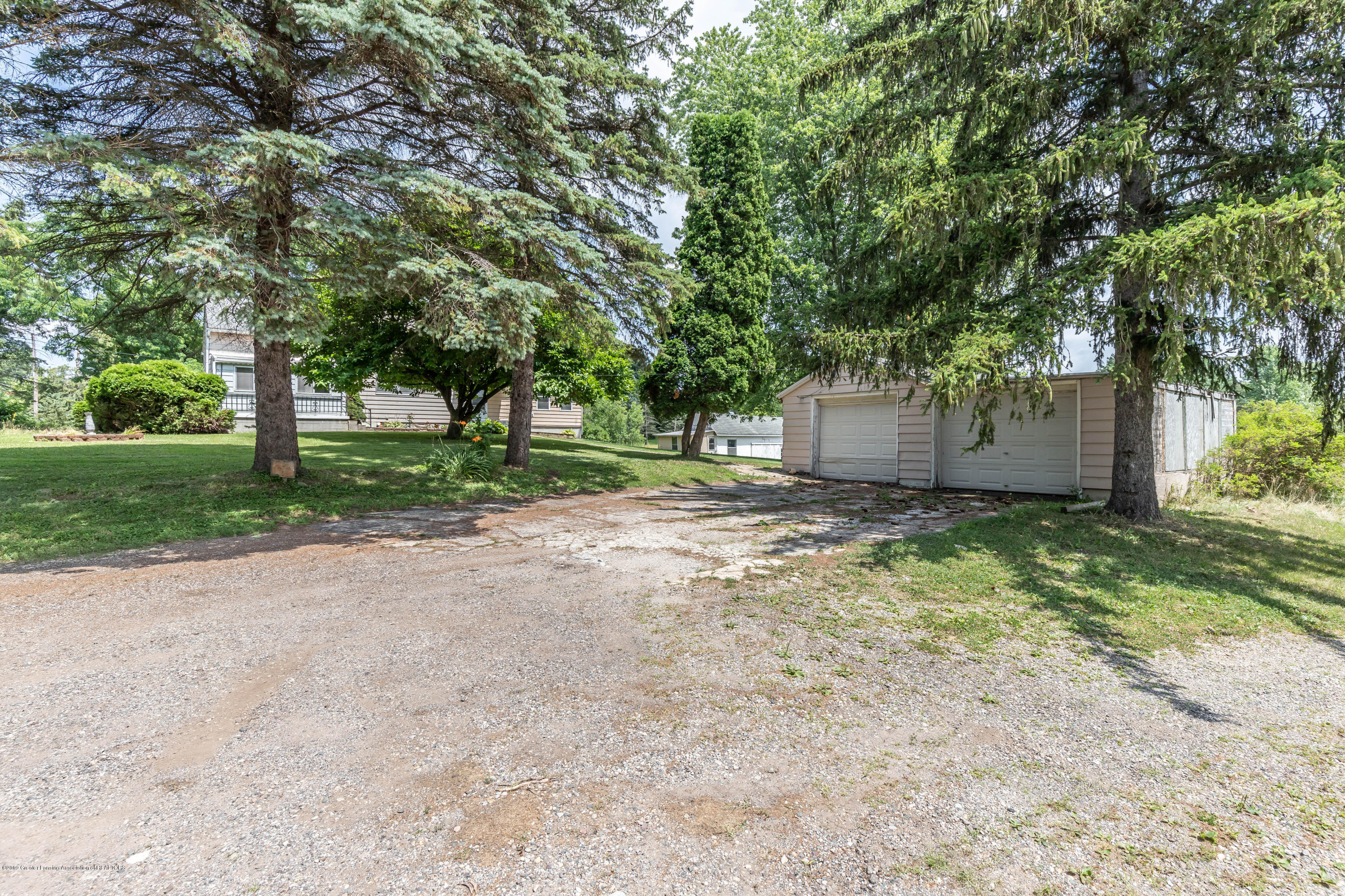 15549 Airport Rd - Front - 2