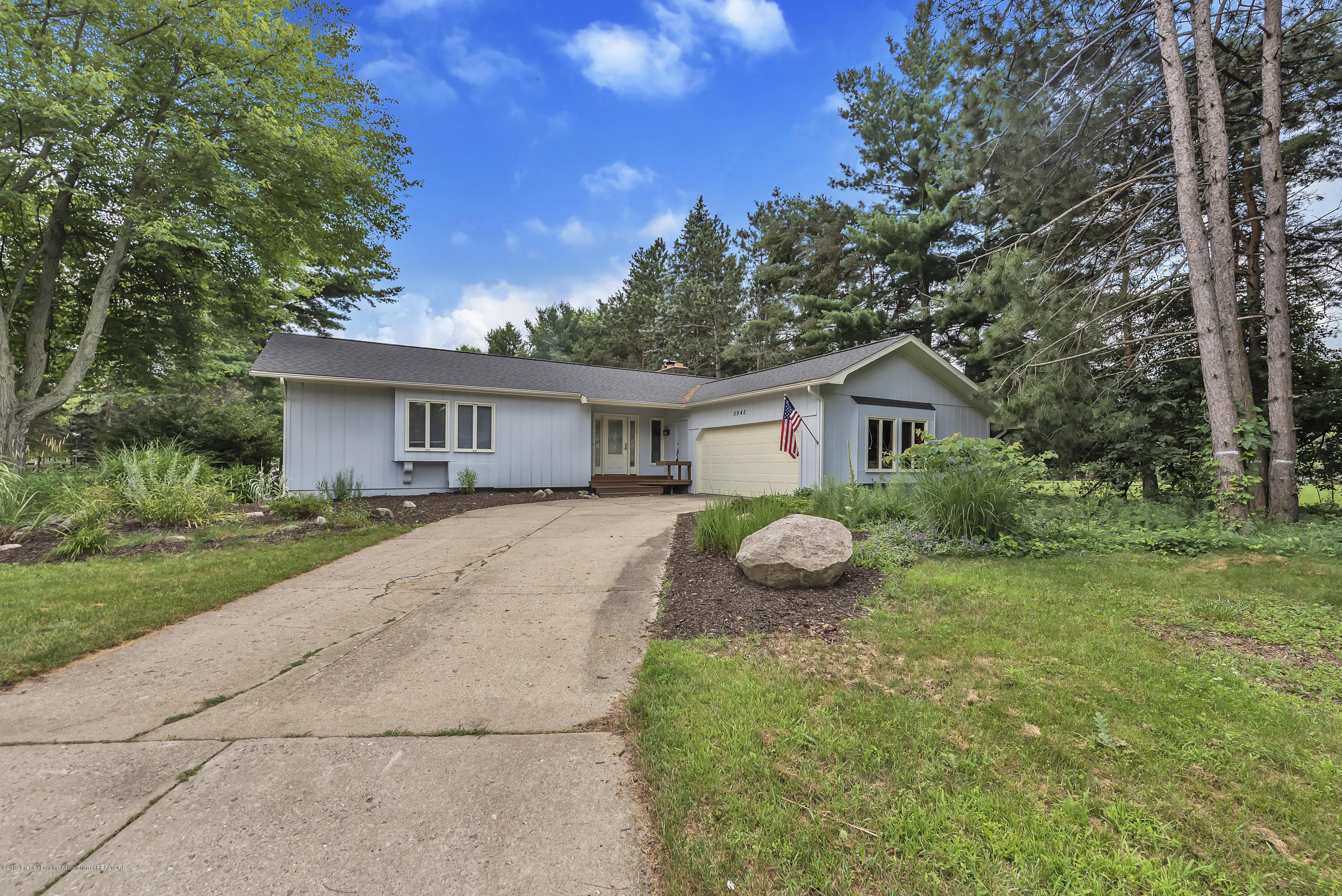 5942 W Sleepy Hollow Ln - 5942-W-Sleepy-Hollow-Ln-East-Lansing-MI- - 4