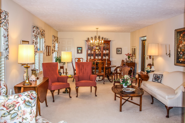 7077 Alward Rd - Family Room - 9
