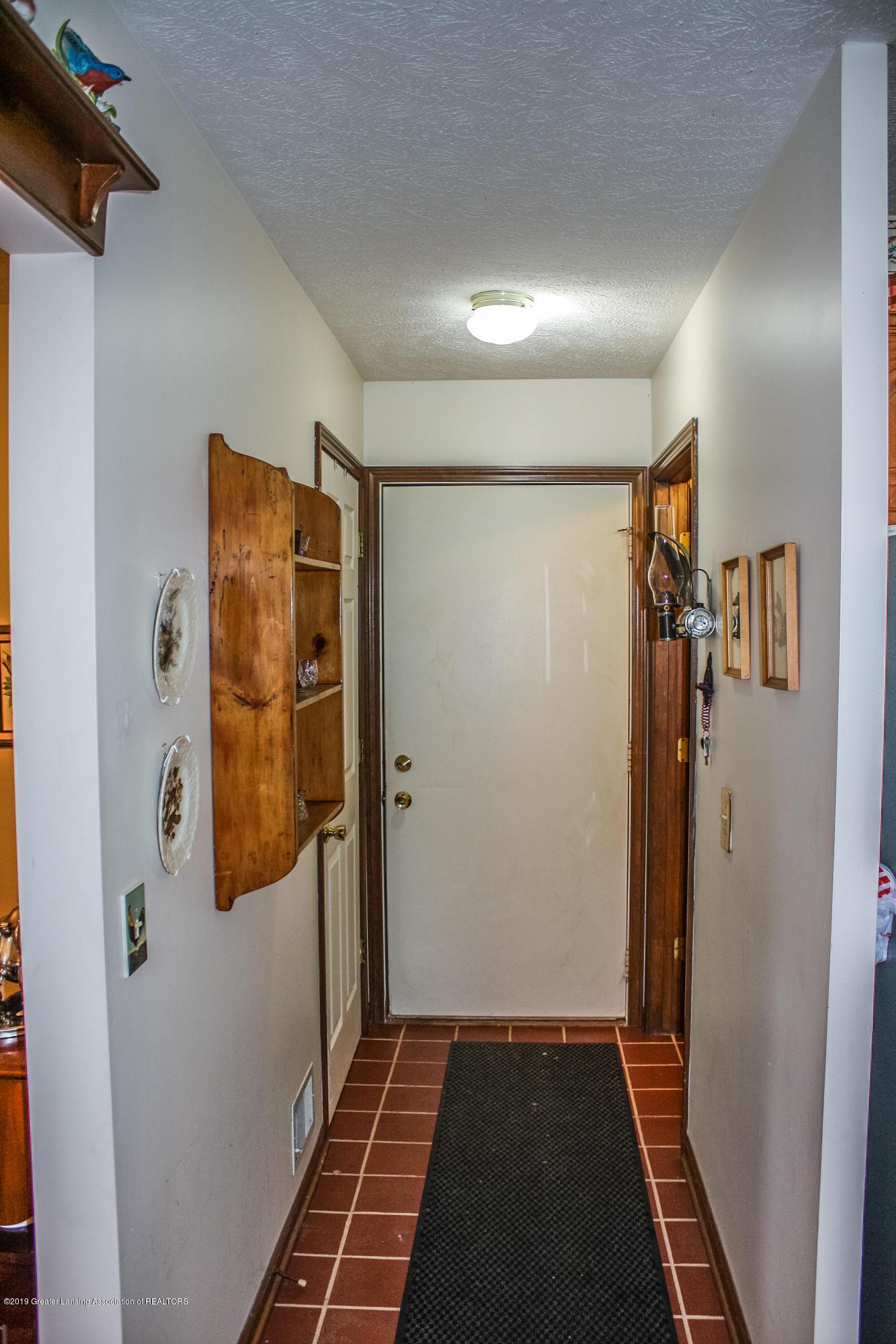 7077 Alward Rd - Back Hallway - 16