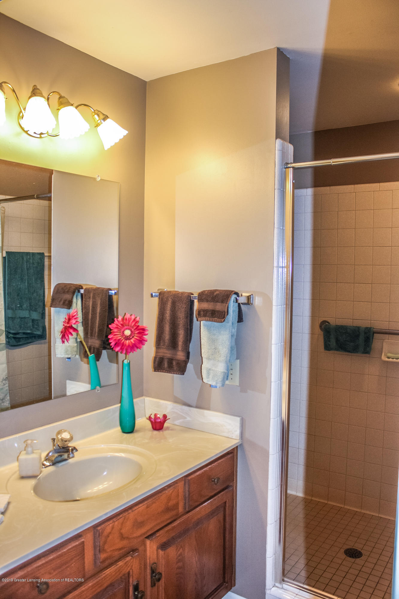 7077 Alward Rd - Bathroom - 14