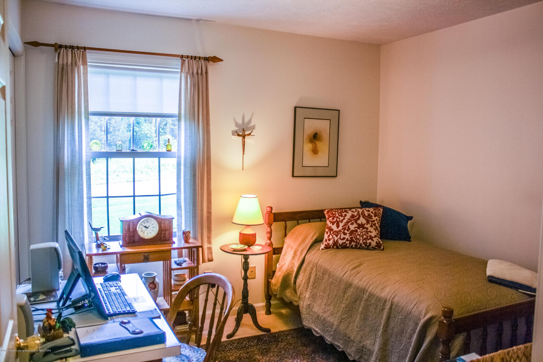 7077 Alward Rd - Bedroom - 18