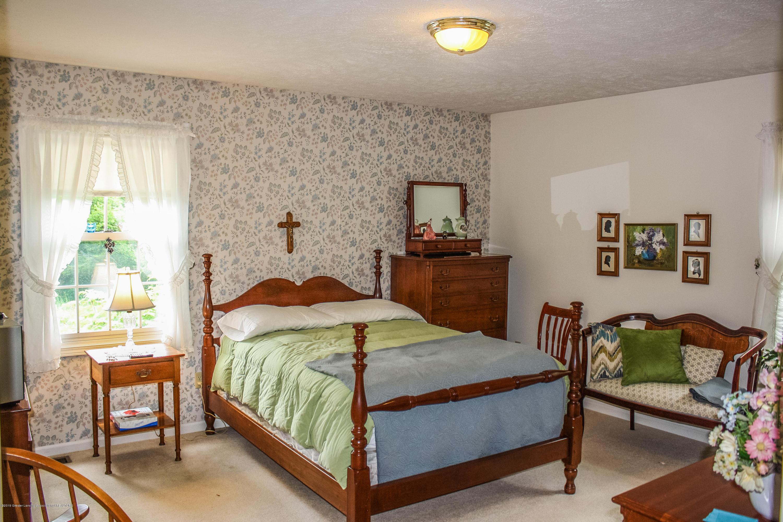 7077 Alward Rd - Bedroom - 20