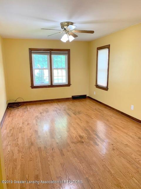 742 Cleo St - Living Room - 6