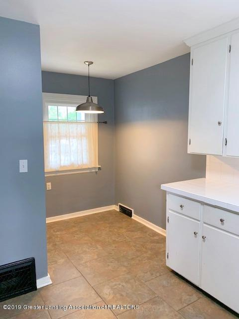 742 Cleo St - Kitchen / Breakfast Nook - 15