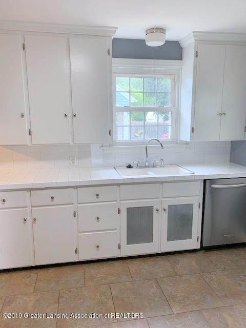 742 Cleo St - Kitchen - 22