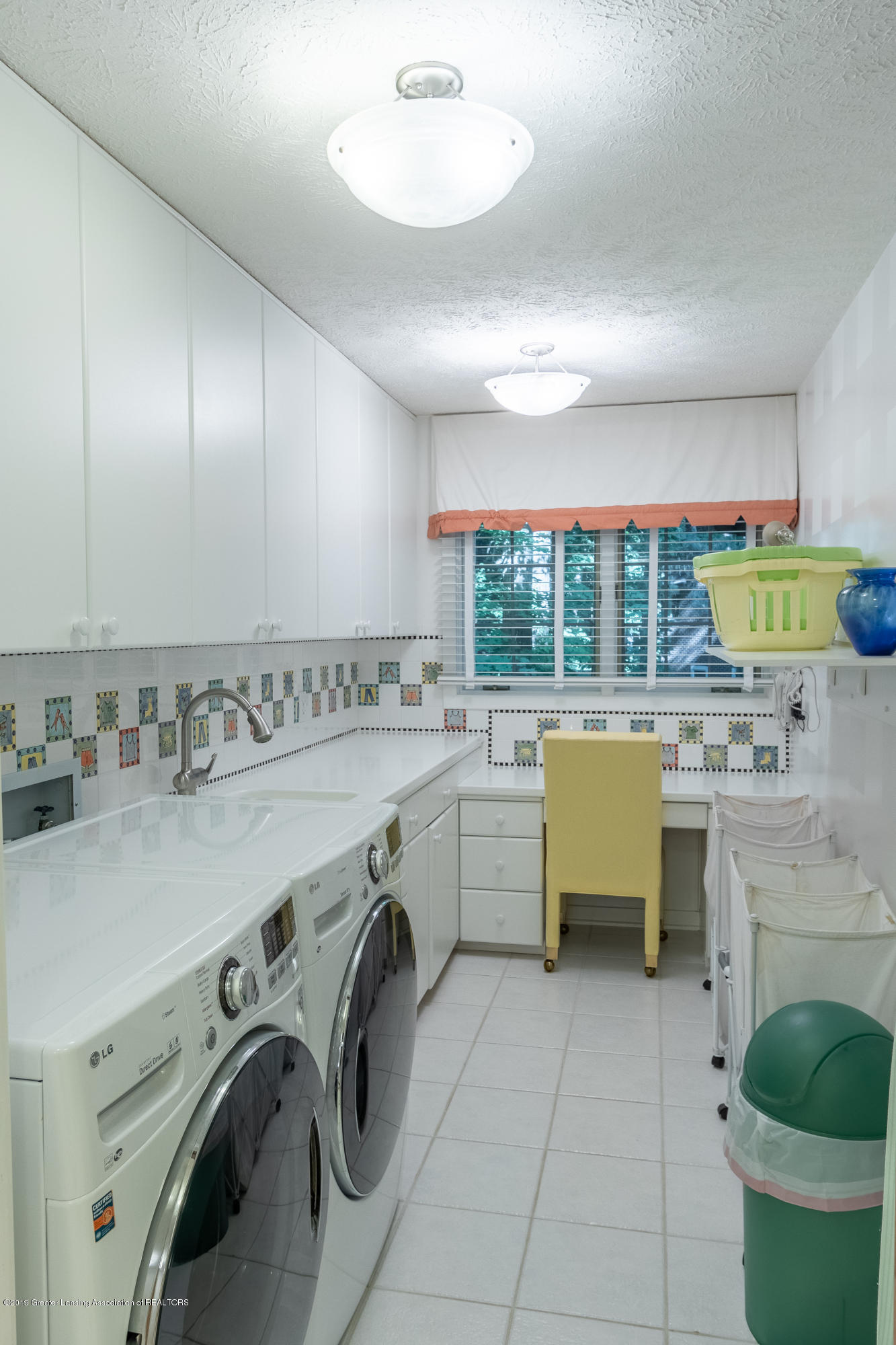 1994 Valley Brook - Laundry Room - 27