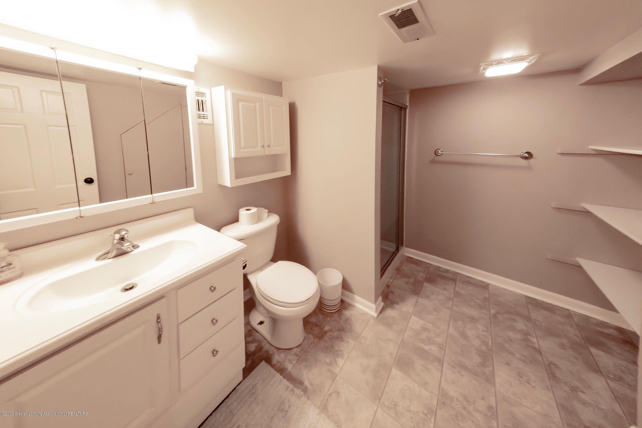 1303 Montgomery St - Basement Bathroom - 18