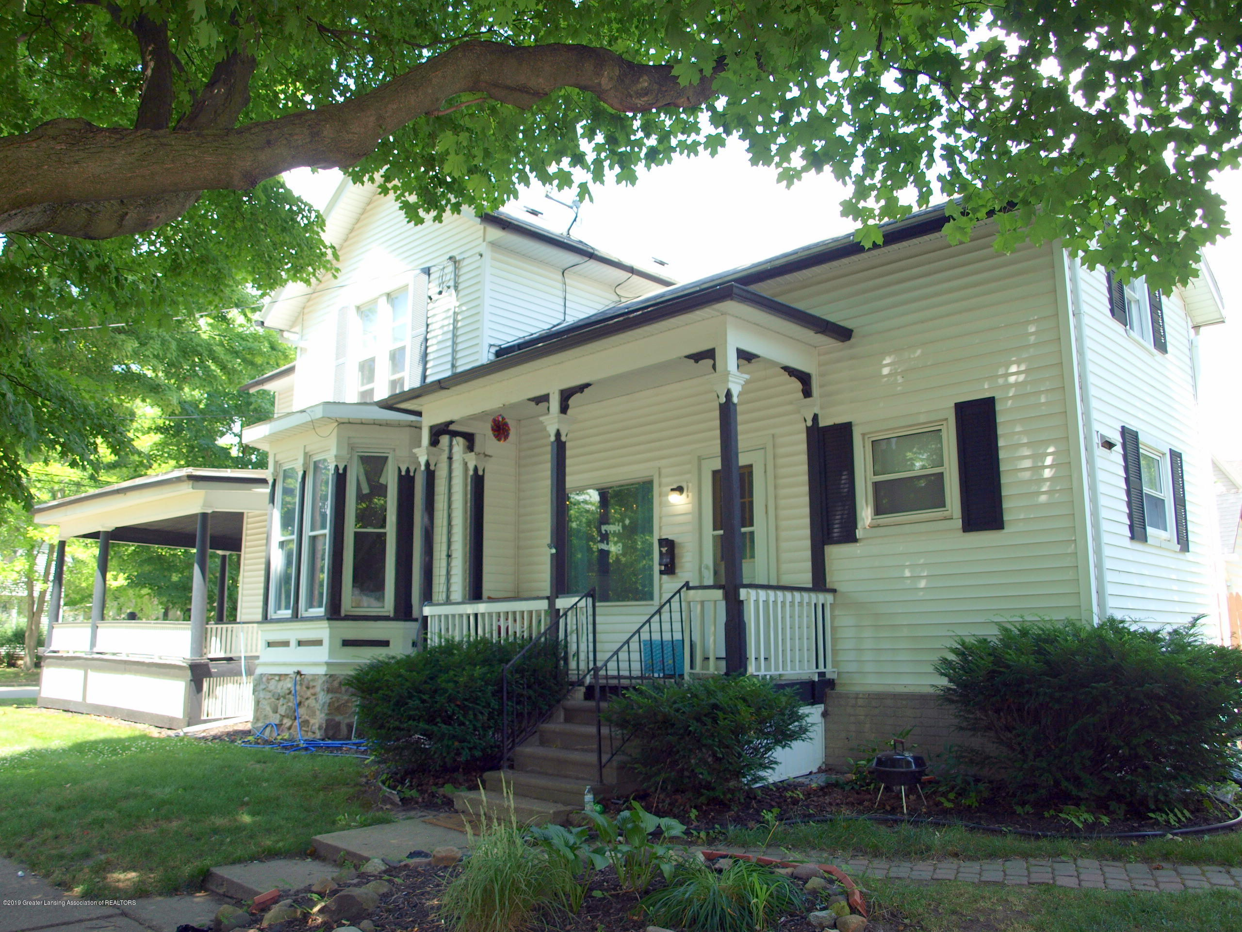 211 Wight St - Front - 15