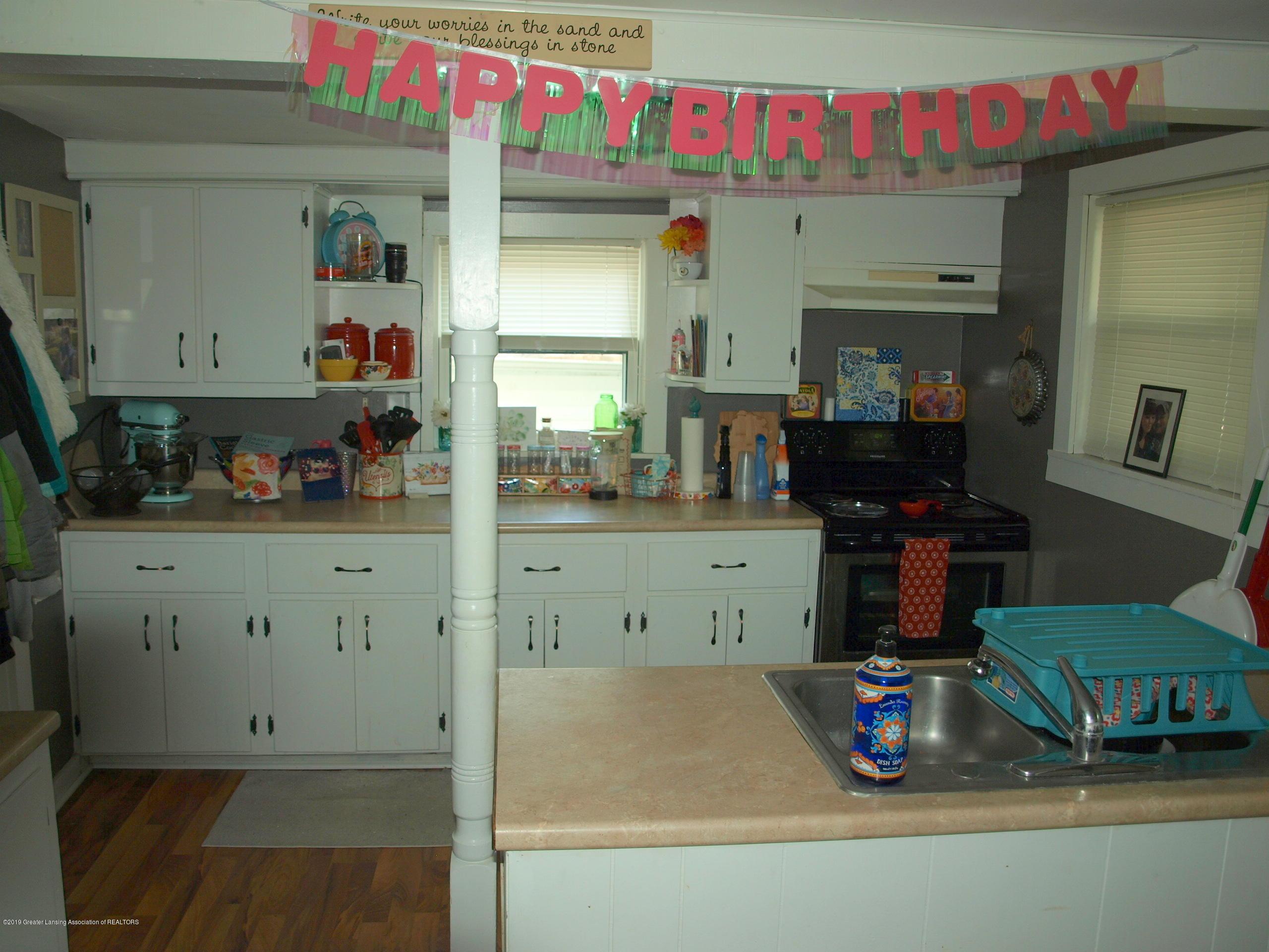 211 Wight St - Kitchen - 2