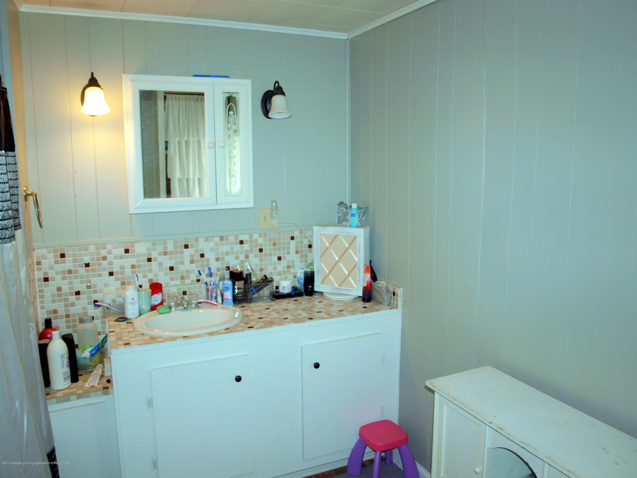 211 Wight St - Bathroom - 4