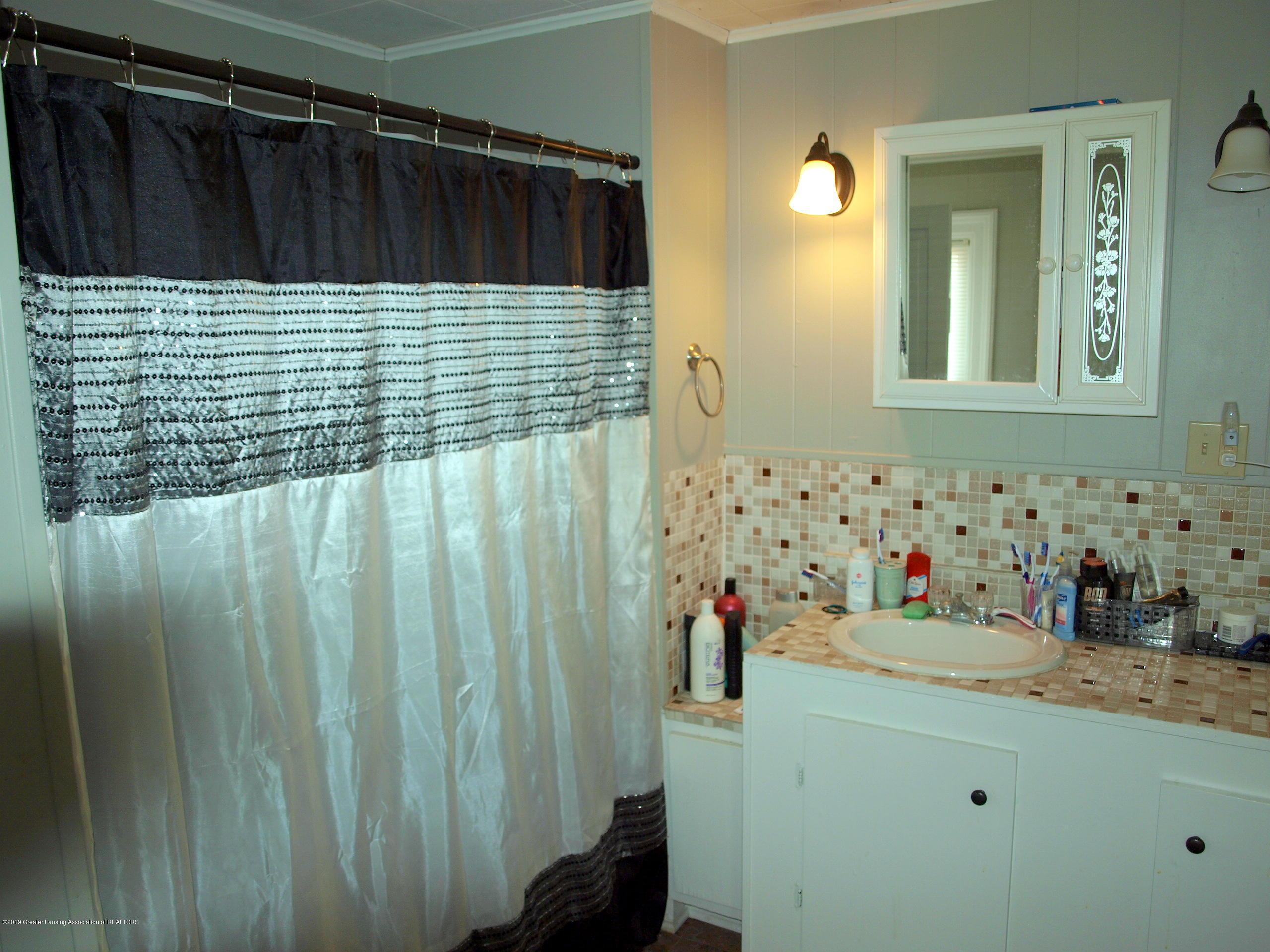 211 Wight St - Bathroom - 5