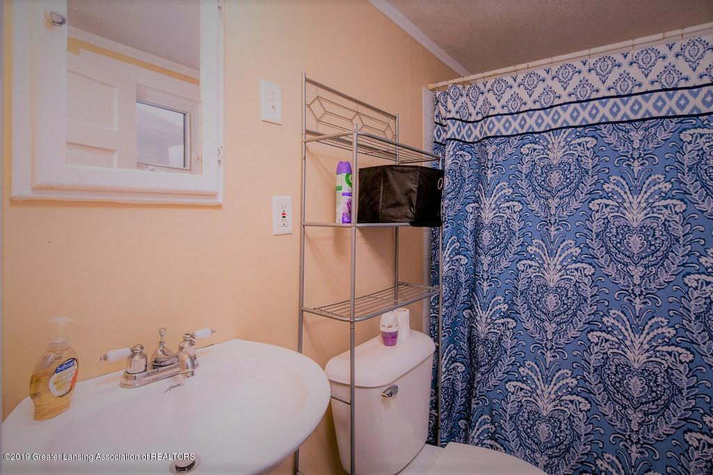 1911 Jerome St - Bathroom - 11
