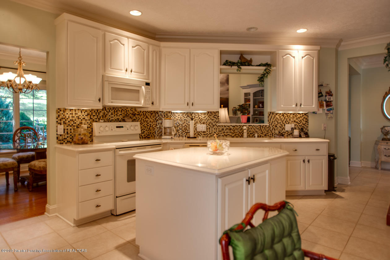 6103 E Longview Dr - Kitchen - 12