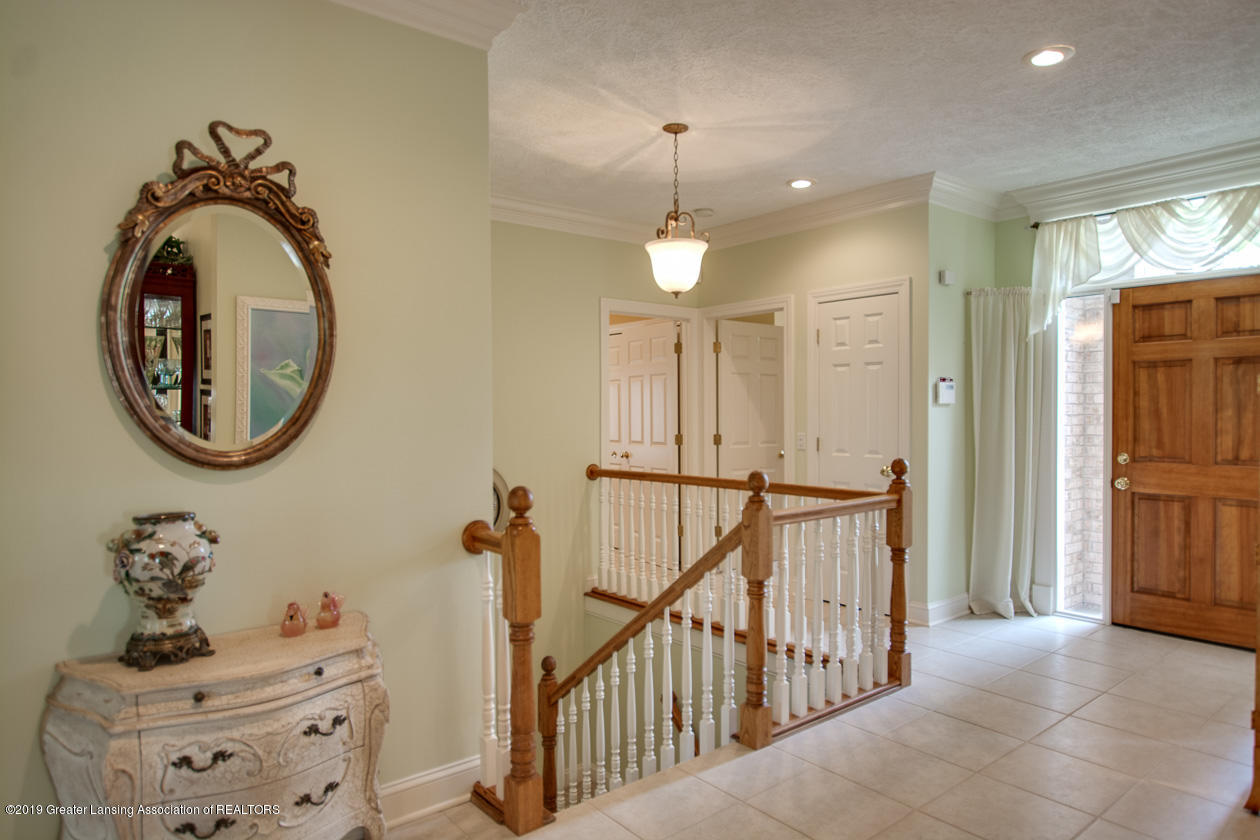 6103 E Longview Dr - Foyer - 4