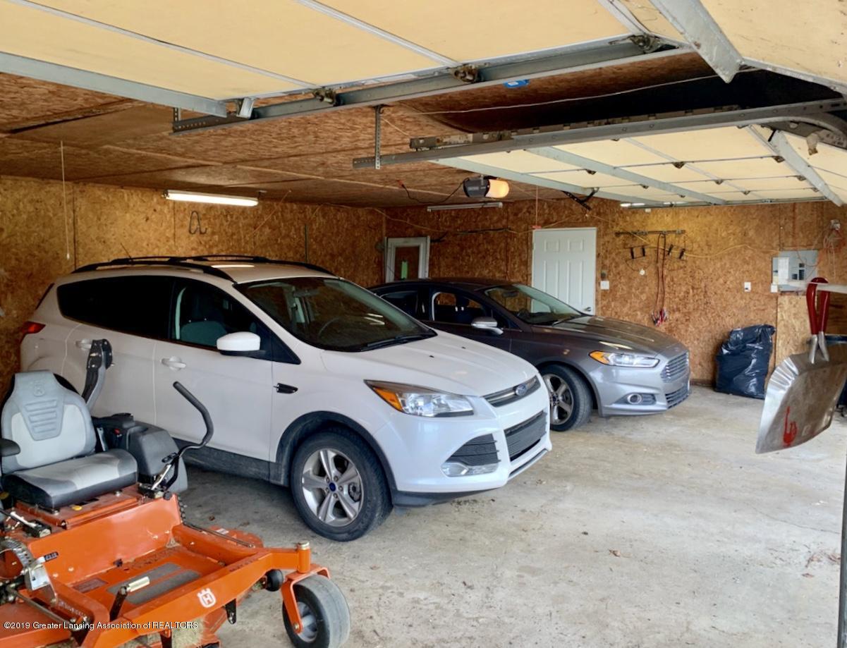 1203 Azalea Dr - 3 car garage open space - 56