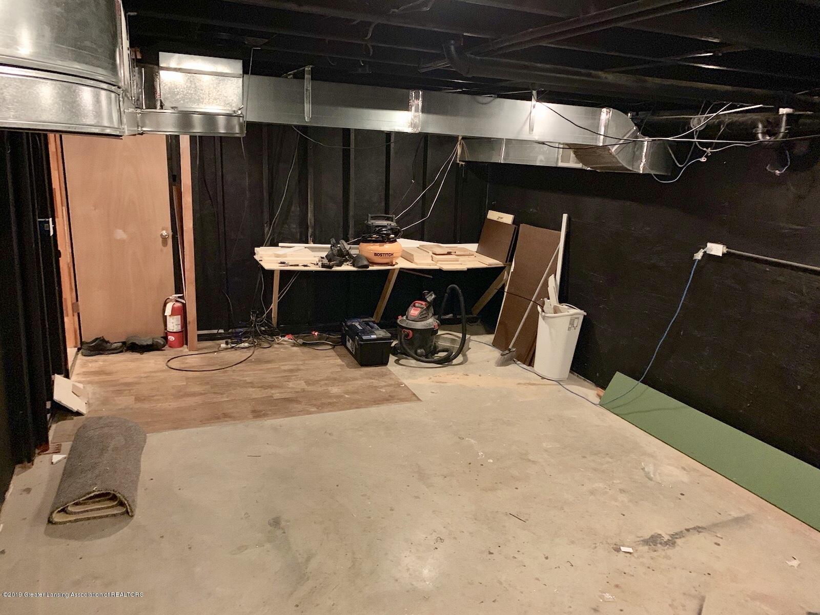 1203 Azalea Dr - extra room in basement 2 - 49