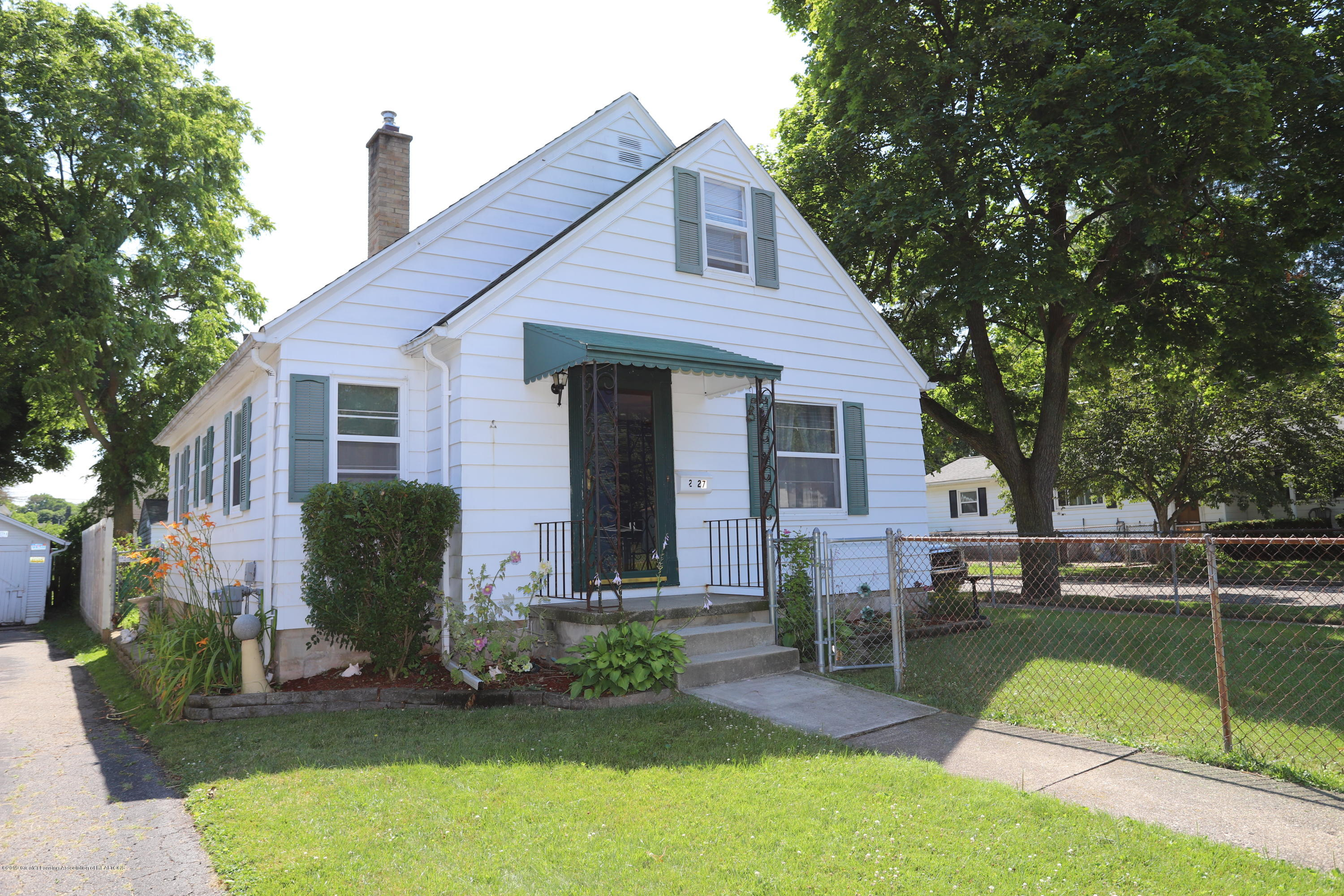 2327 Teel Ave - Front of Home - 1