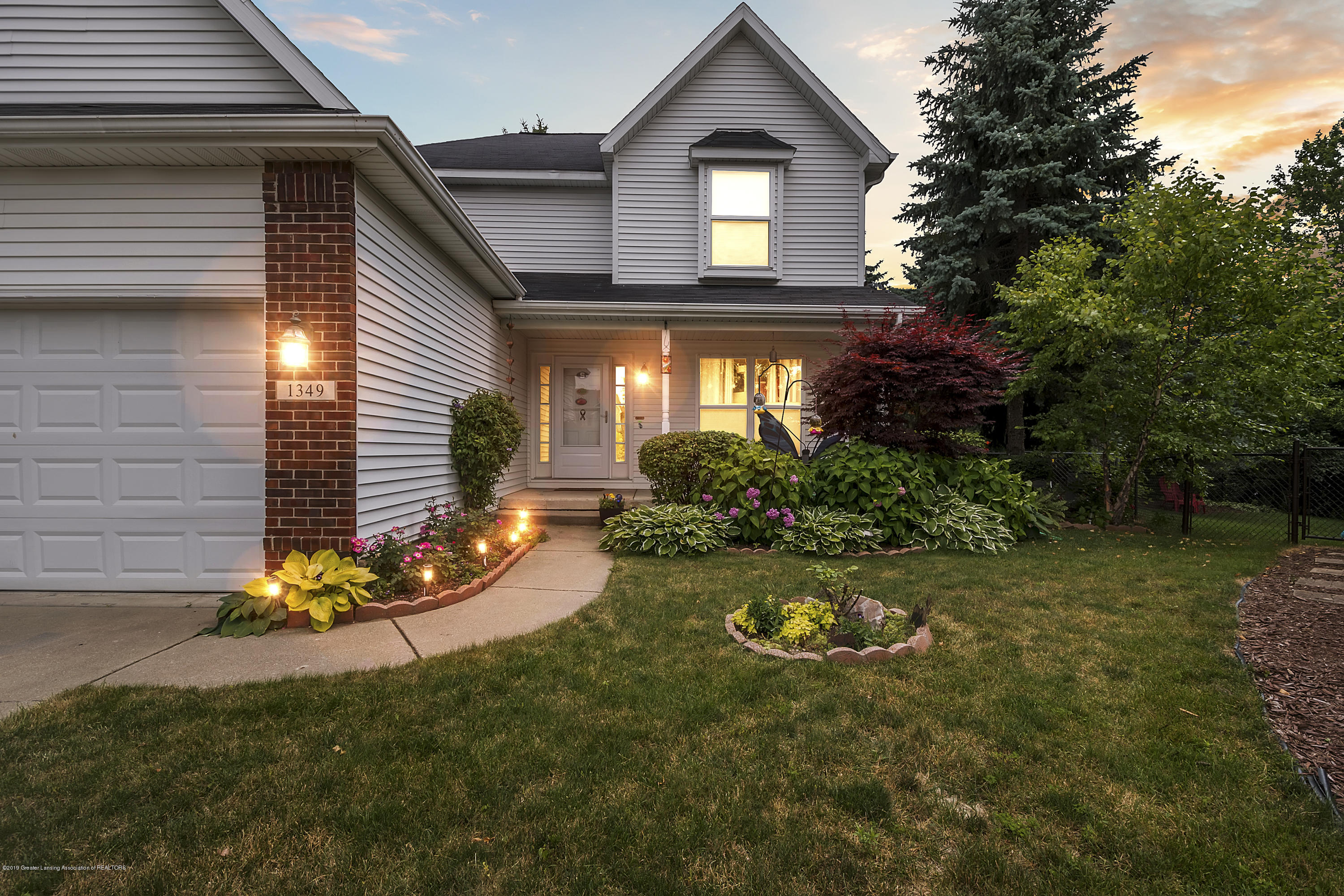 1349 Turtlecreek Cir - 1349-Turtlecreek-Cir-East-Lansing-window - 1