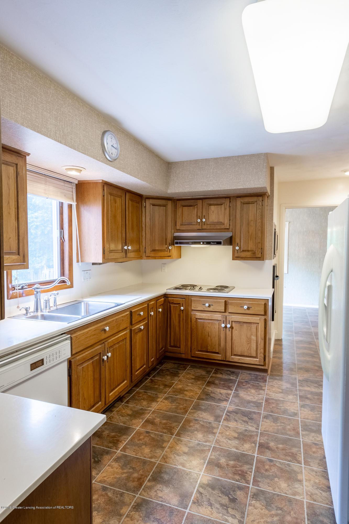 2661 Linden St - Kitchen - 11