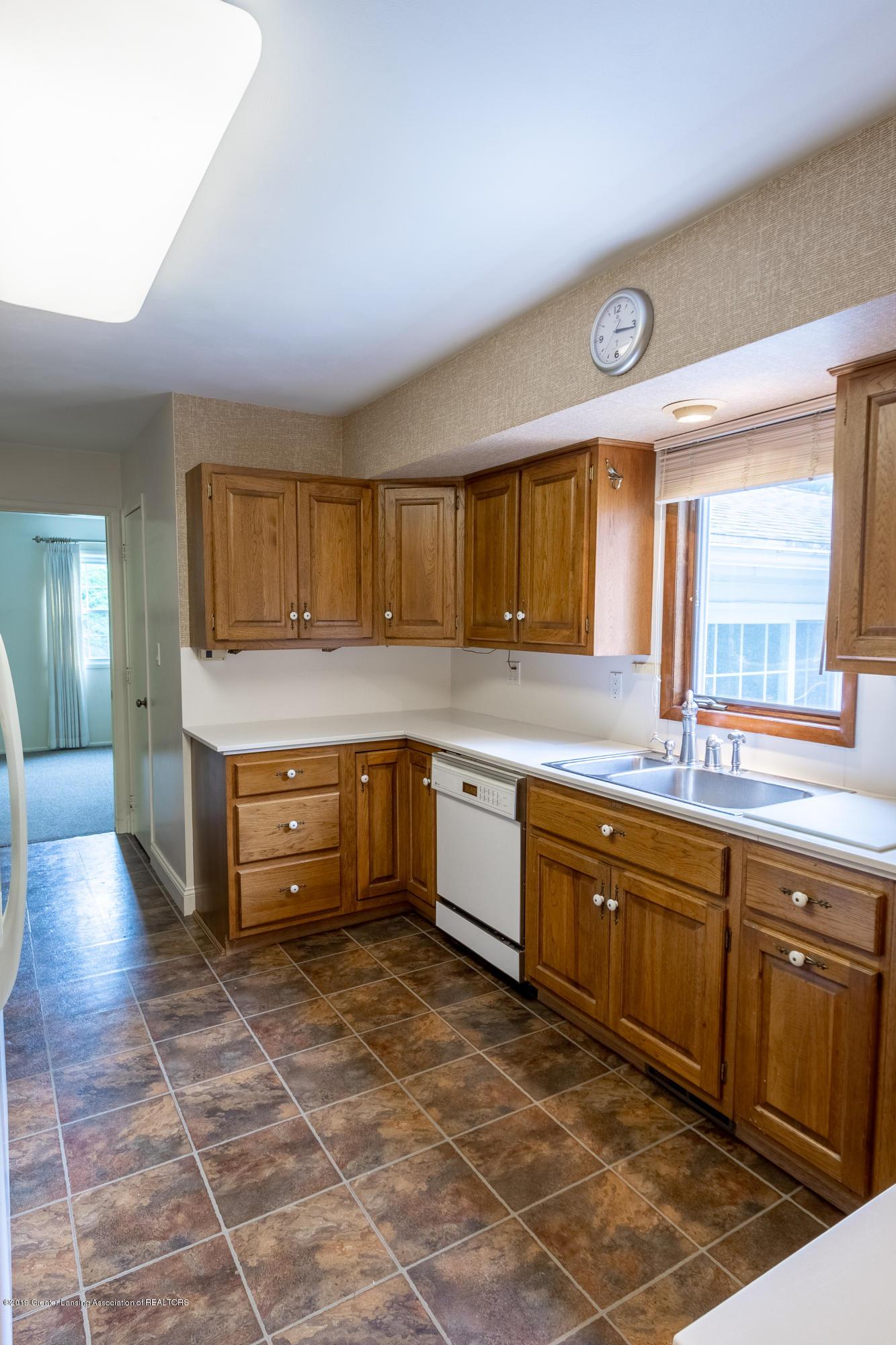 2661 Linden St - Kitchen - 12