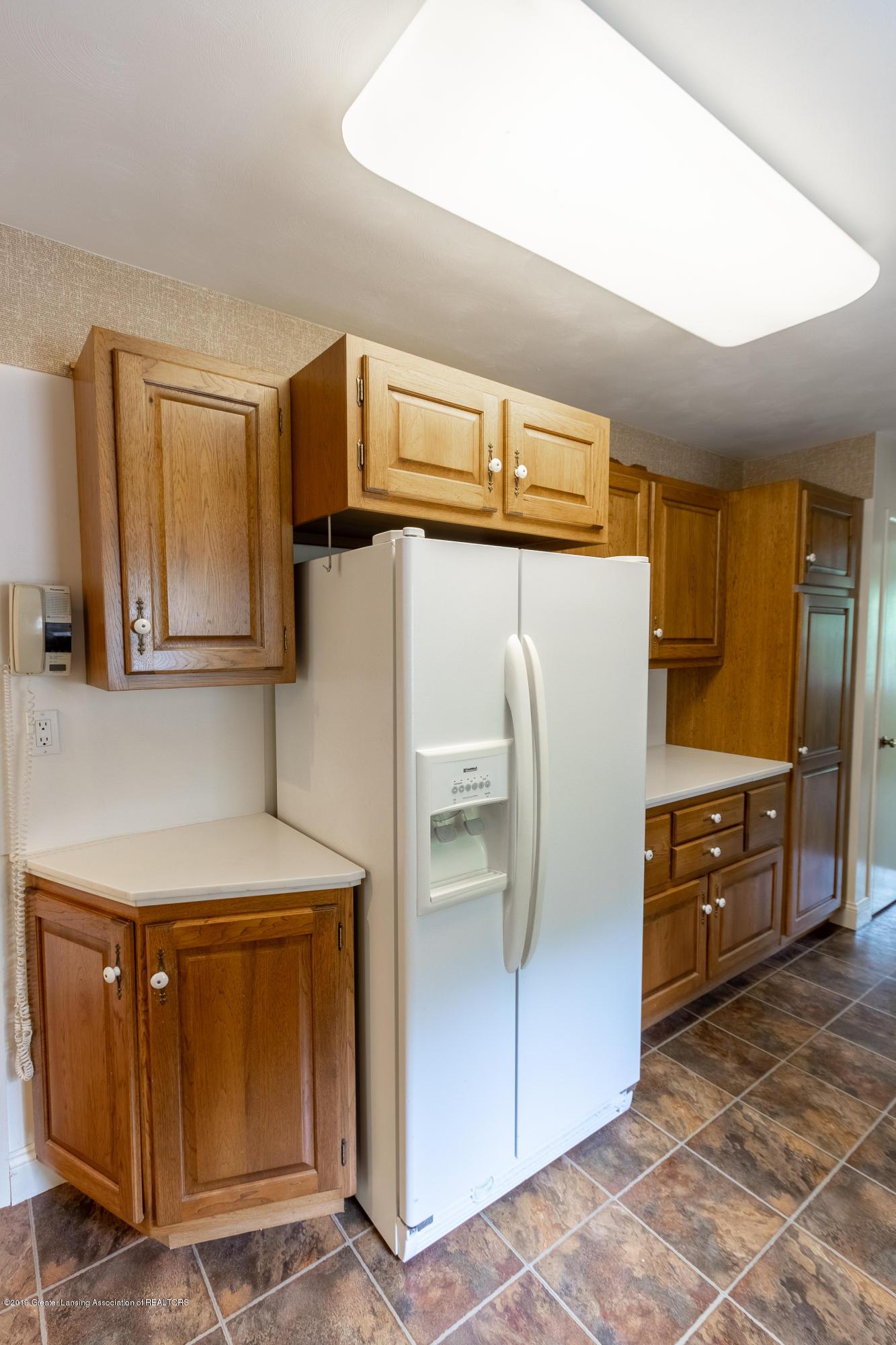 2661 Linden St - Kitchen - 13
