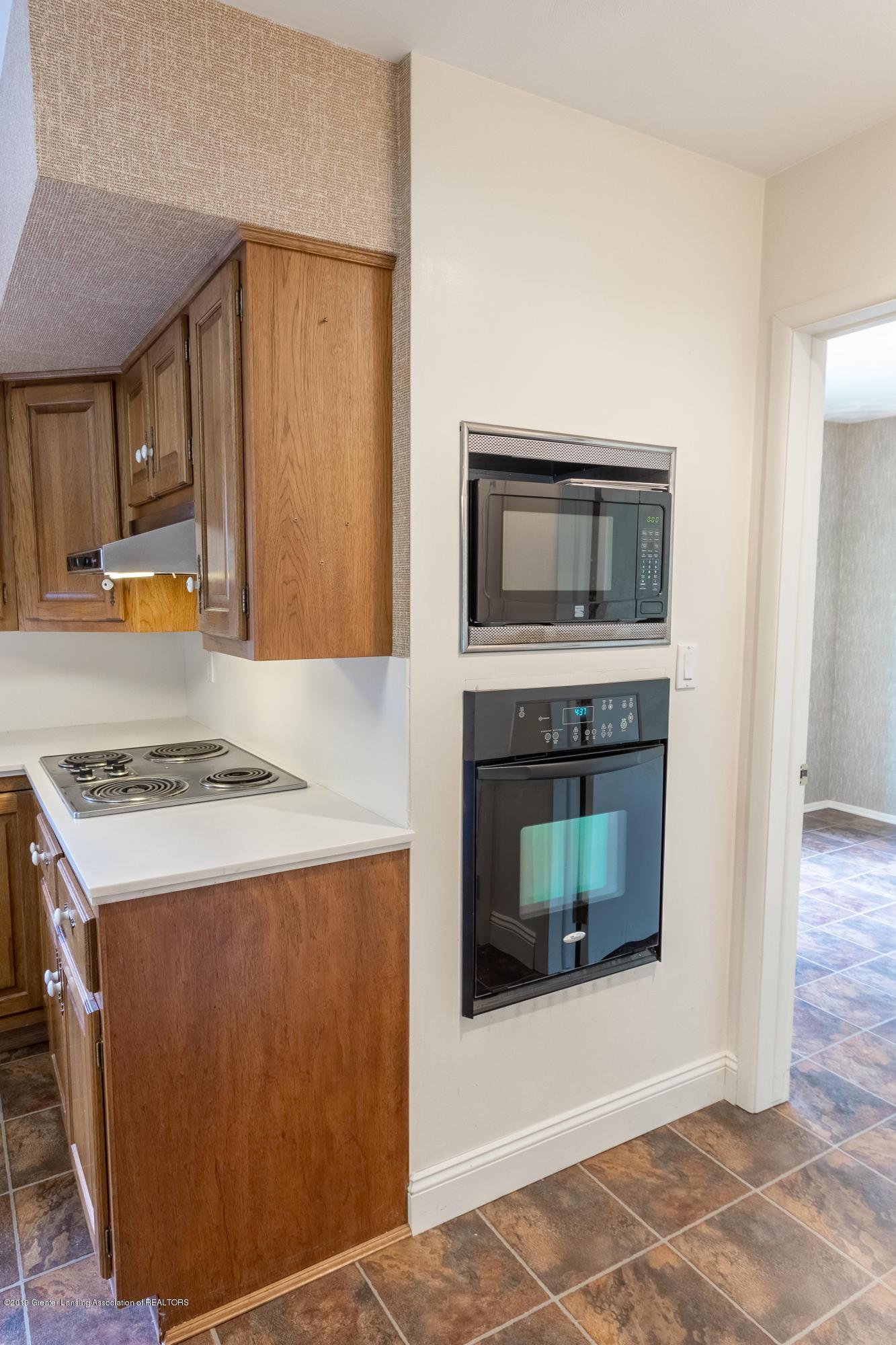 2661 Linden St - Kitchen - 14