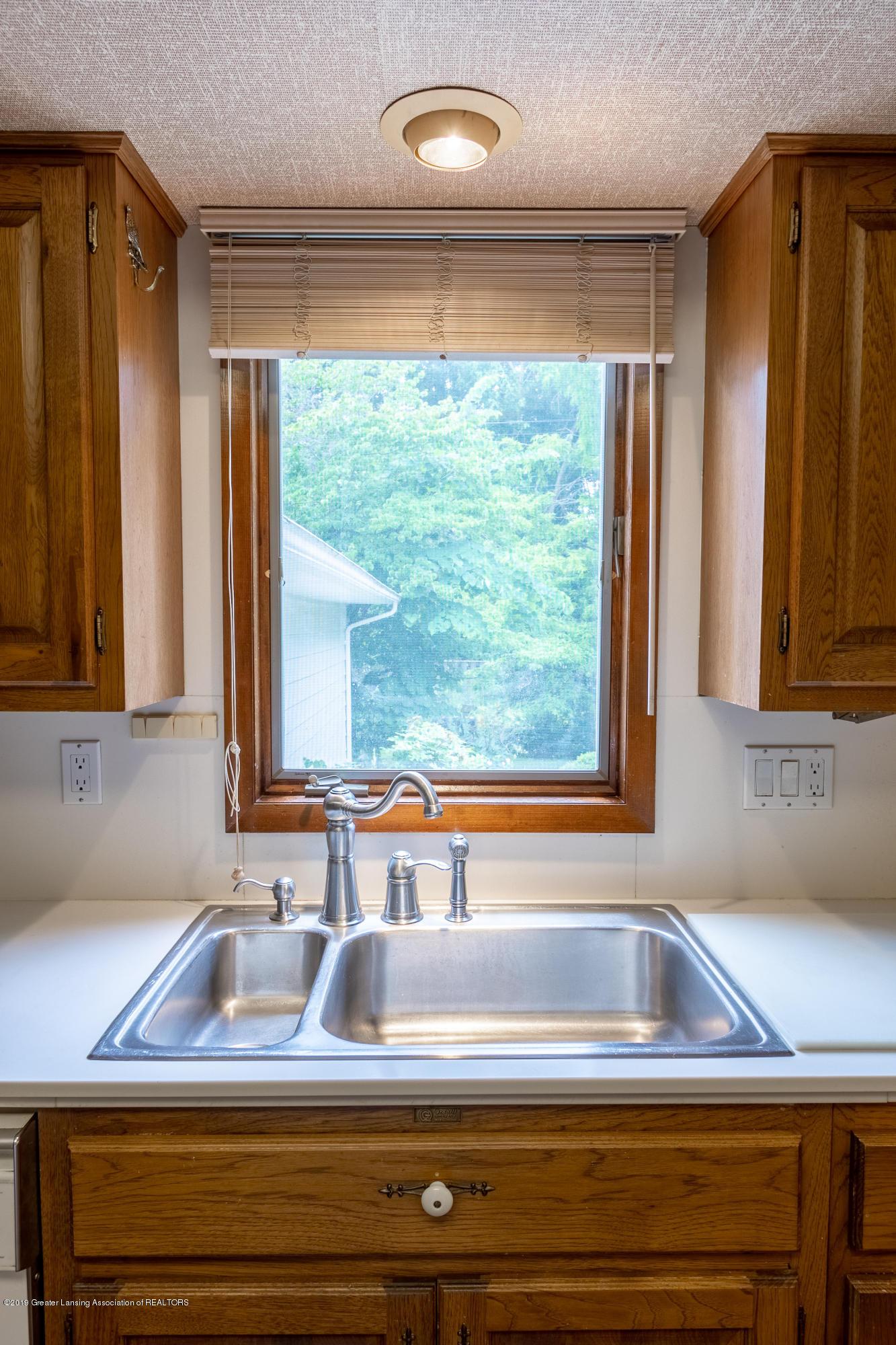 2661 Linden St - Kitchen - 16