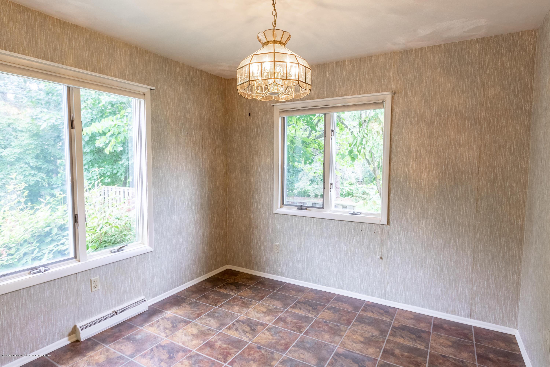 2661 Linden St - Main Floor Bedroom - 21