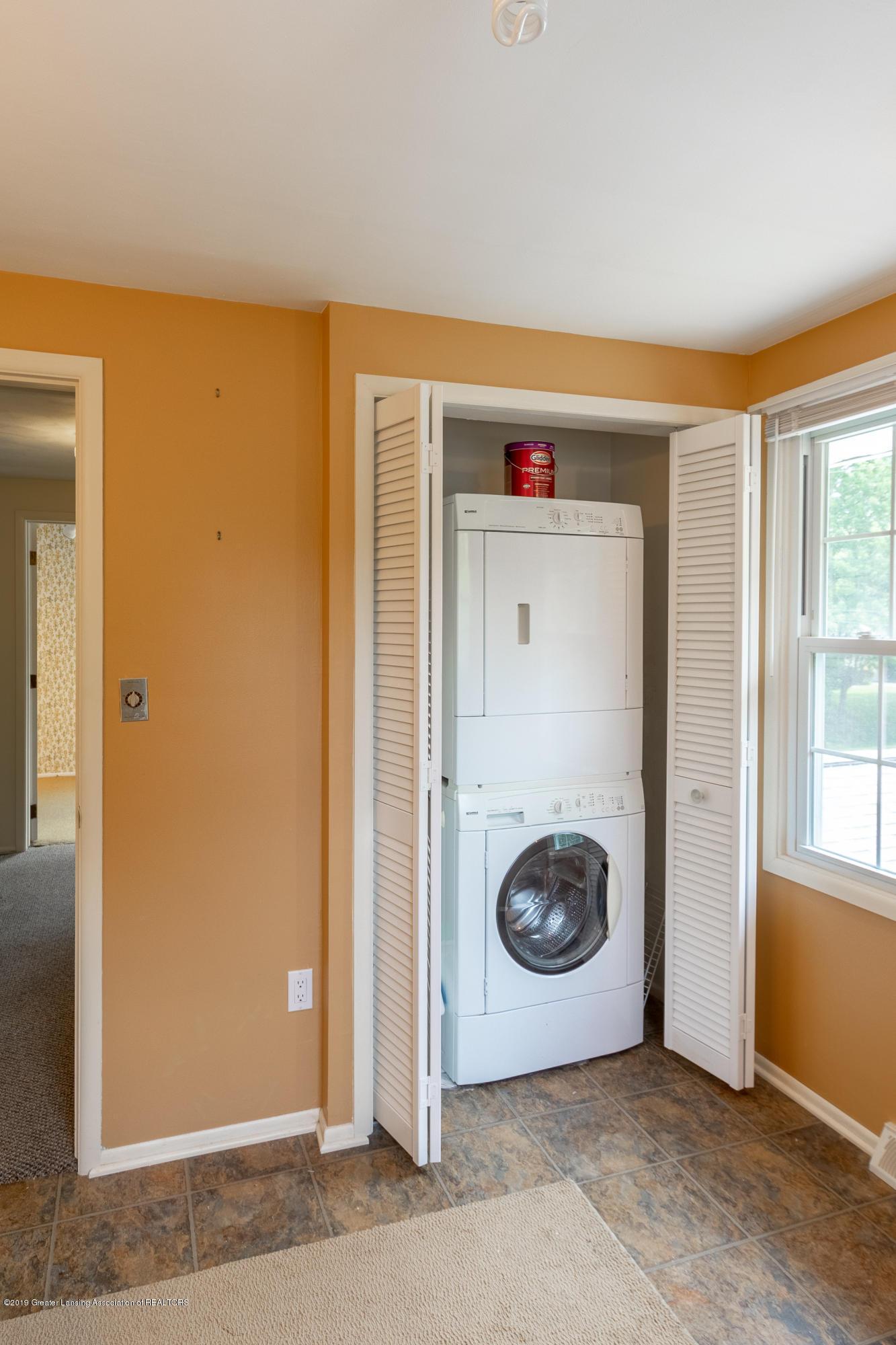 2661 Linden St - Upper Level Laundry - 34