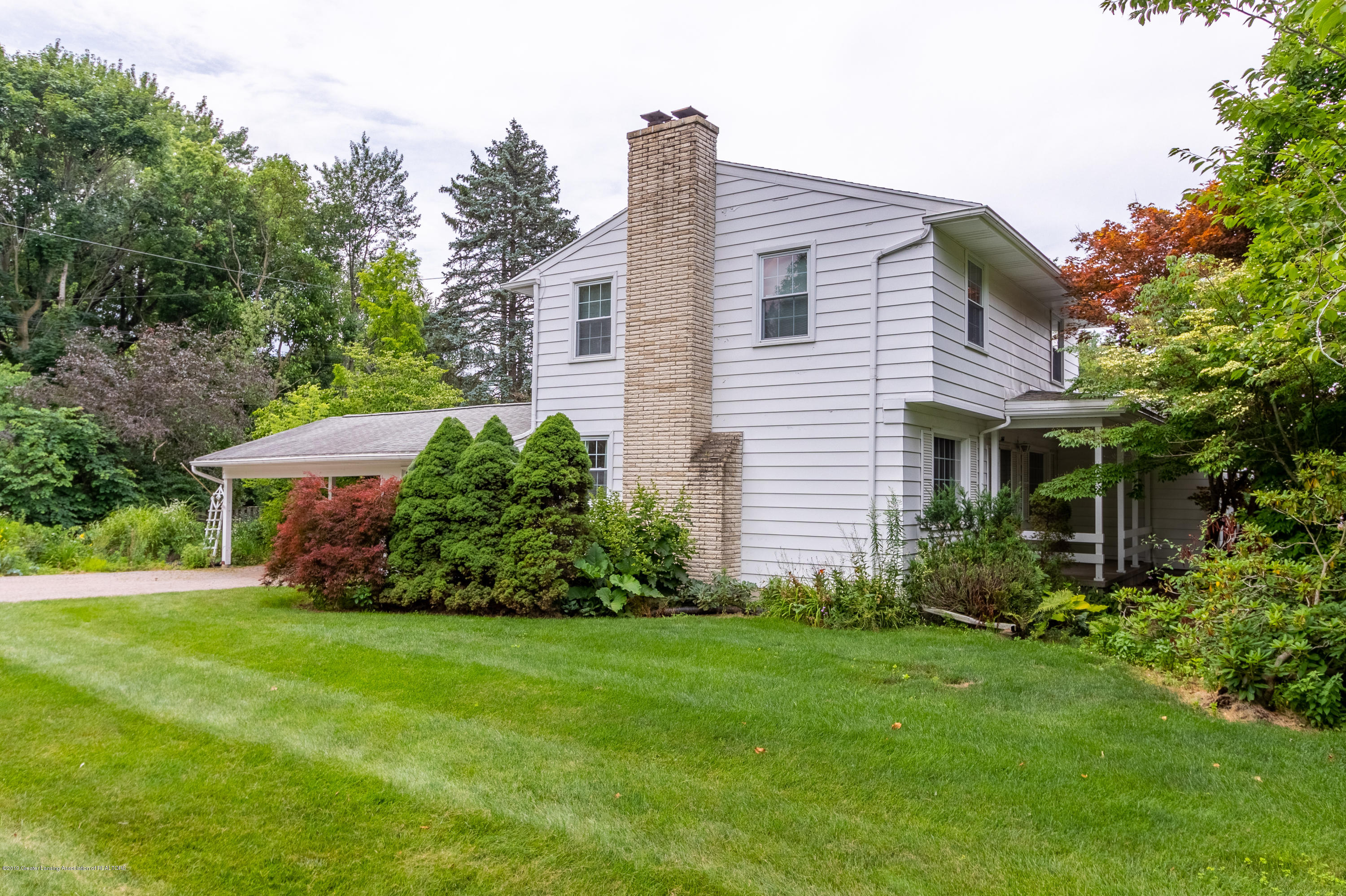 2661 Linden St - Side View - 41