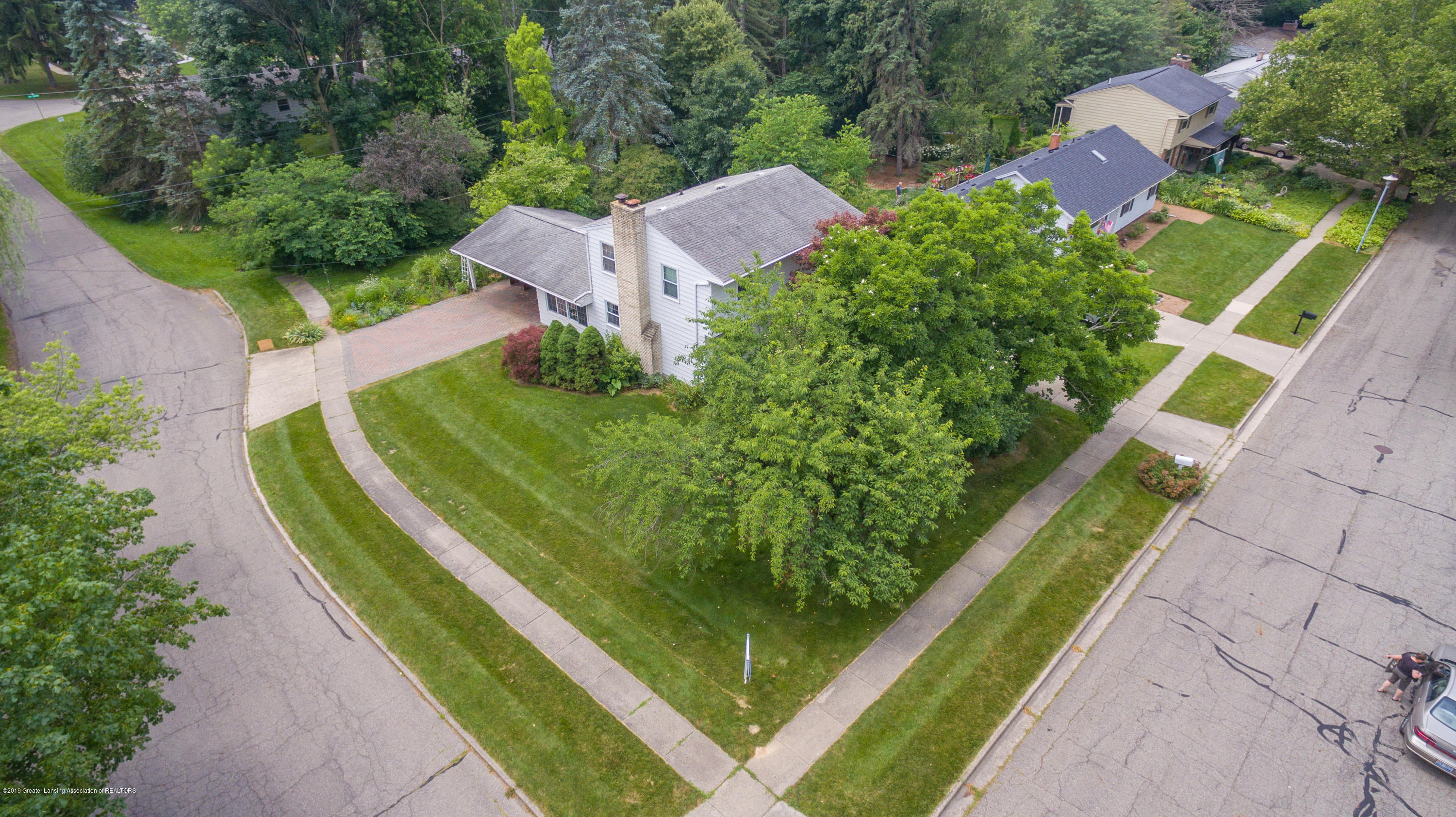 2661 Linden St - Aerial View - 45