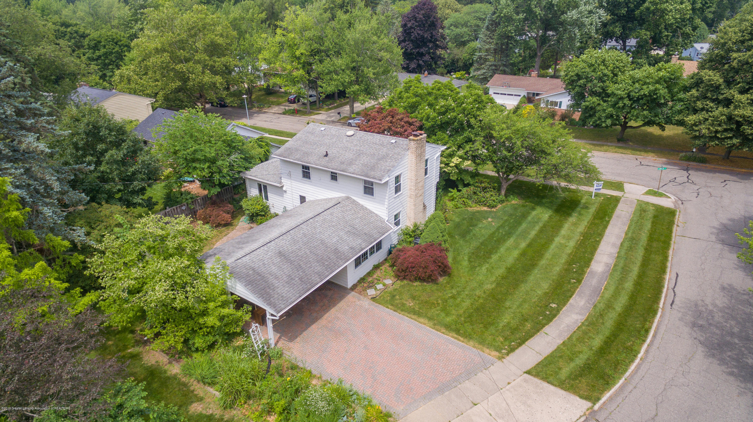 2661 Linden St - Aerial View - 46