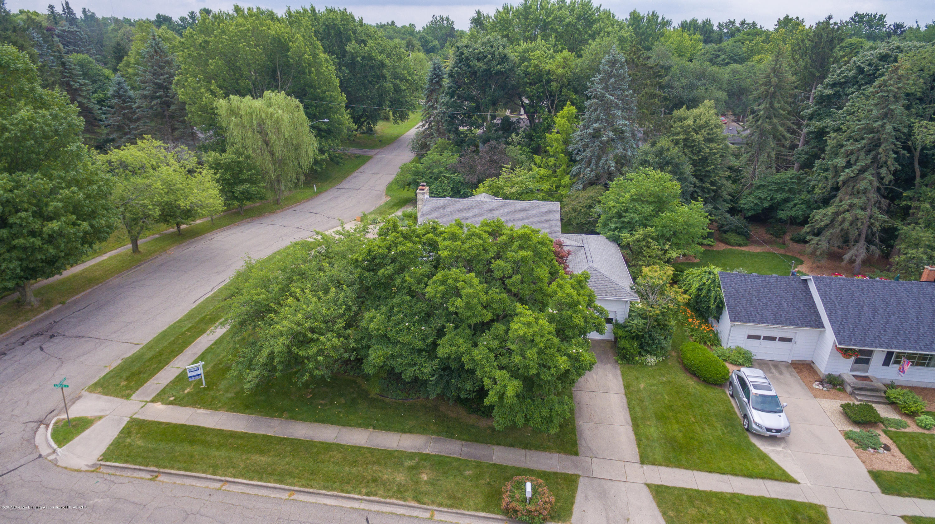2661 Linden St - Aerial View - 47