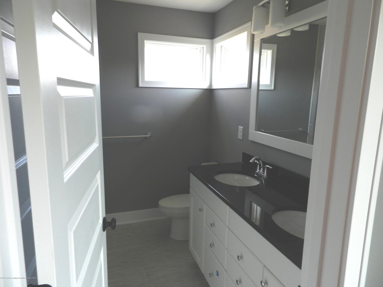 1579 Wellman Rd - Master Bathroom - 12