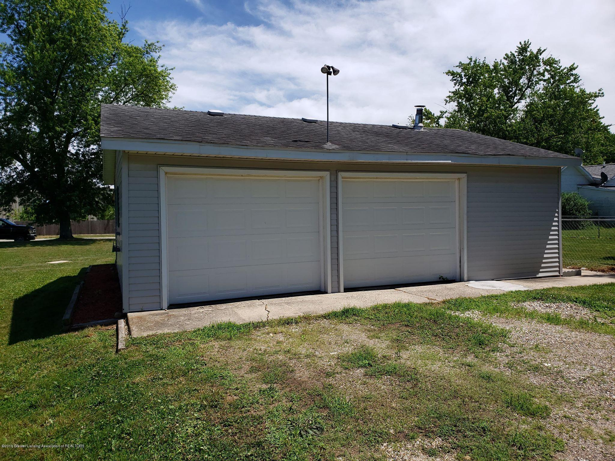 906 Hall St - Garage - 12